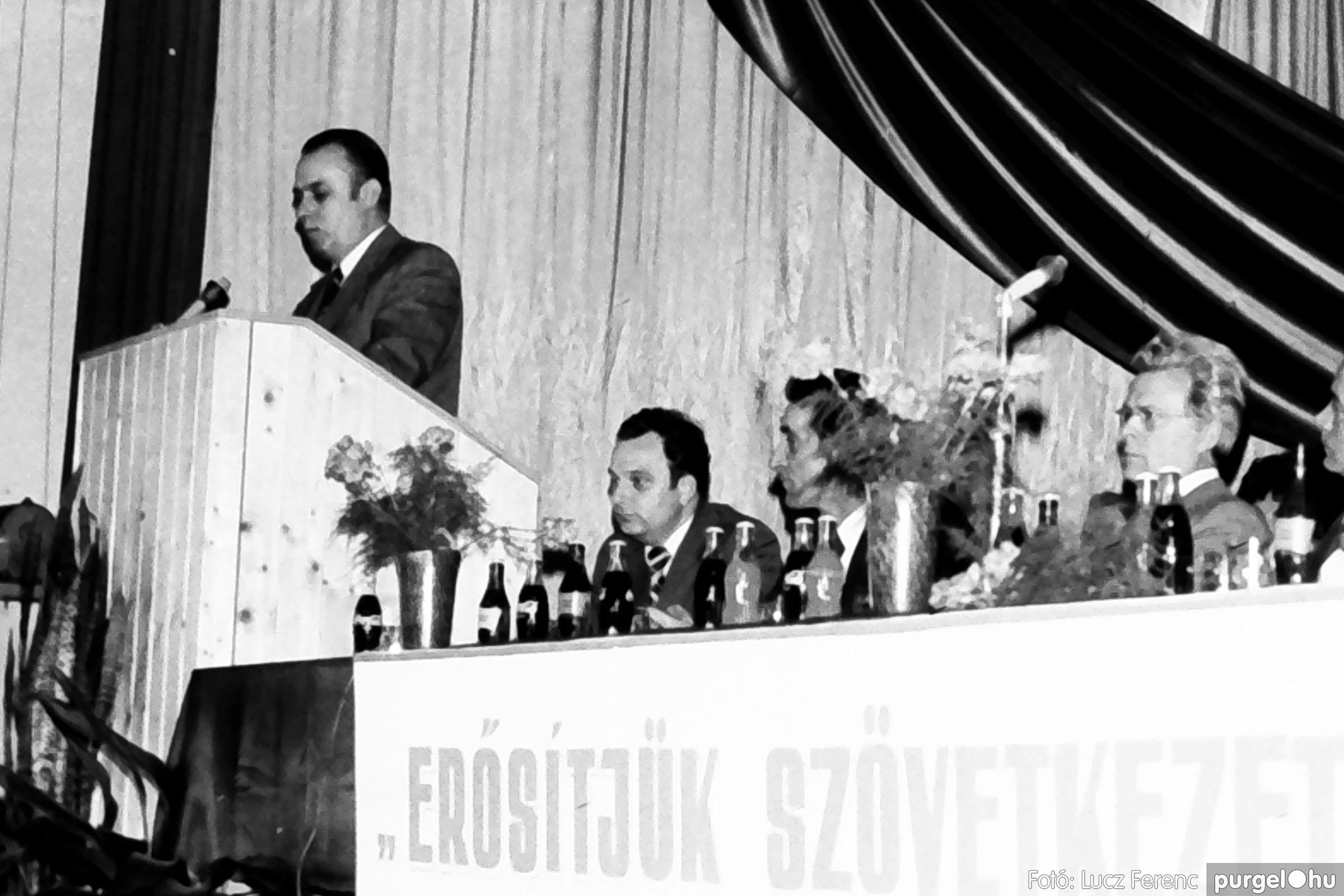 107. 1978. A KTSZ mérlegzáró közgyűlése 028. - Fotó: Lucz Ferenc.jpg