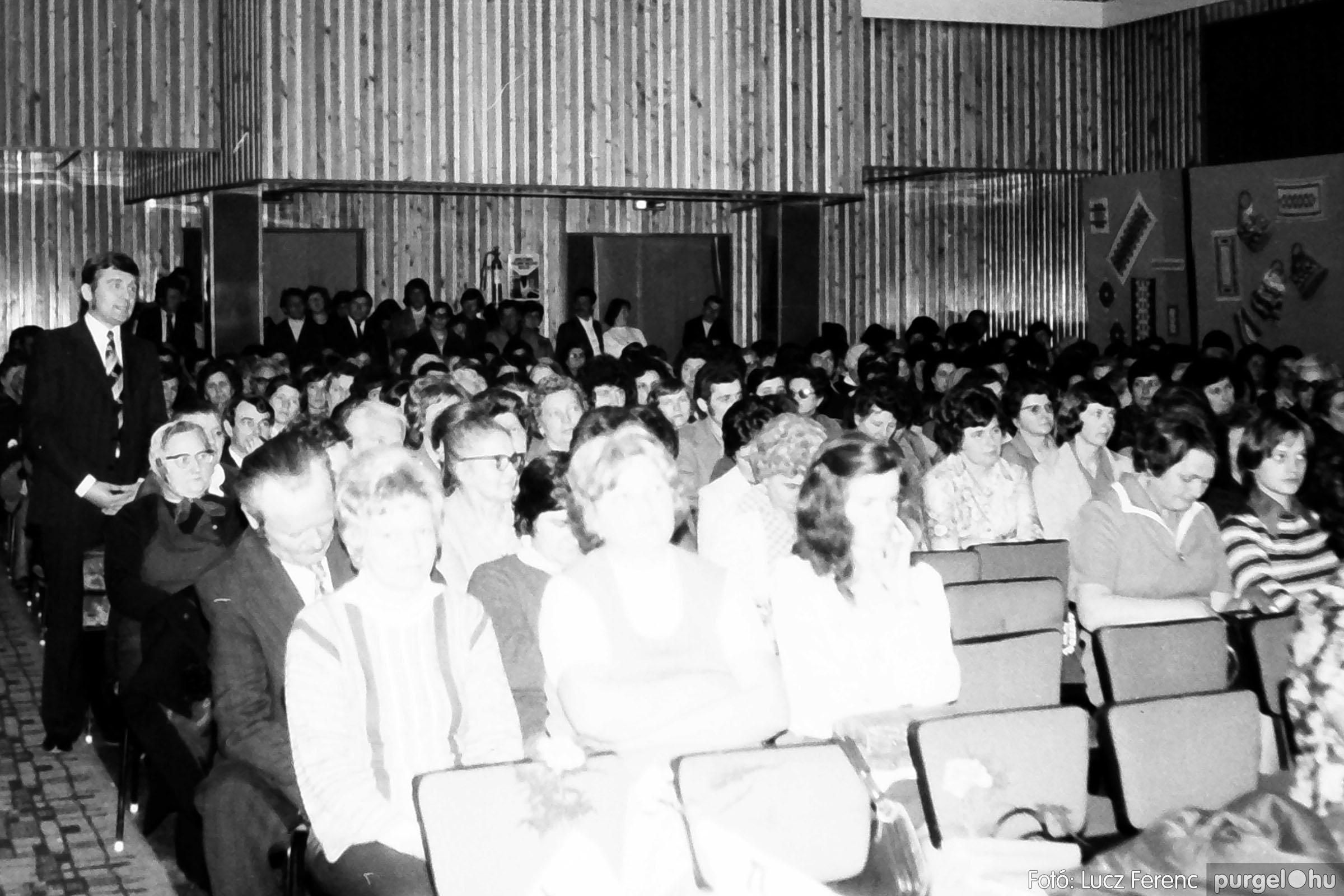 107. 1978. A KTSZ mérlegzáró közgyűlése 023. - Fotó: Lucz Ferenc.jpg