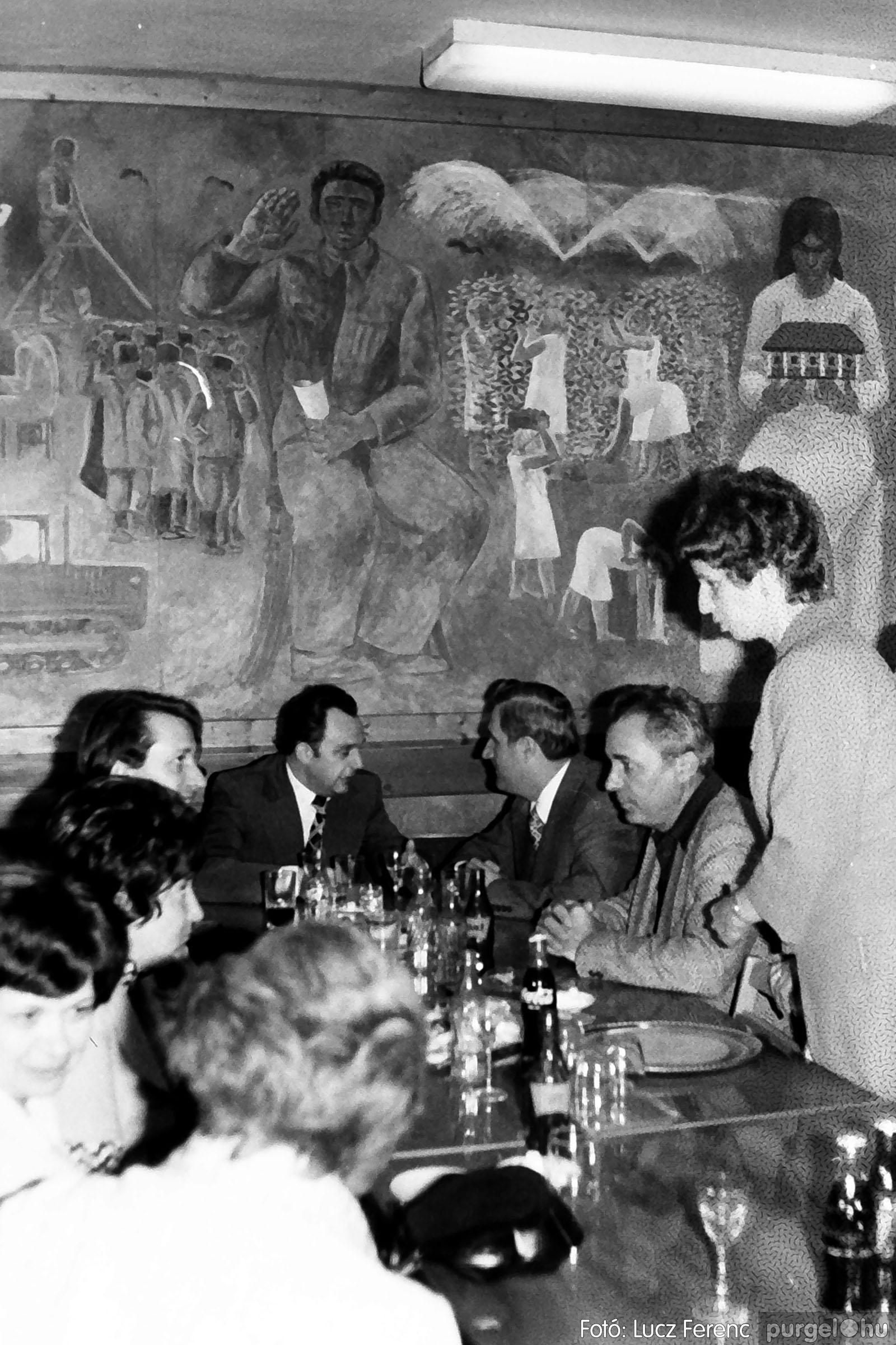 107. 1978. A KTSZ mérlegzáró közgyűlése 011. - Fotó: Lucz Ferenc.jpg