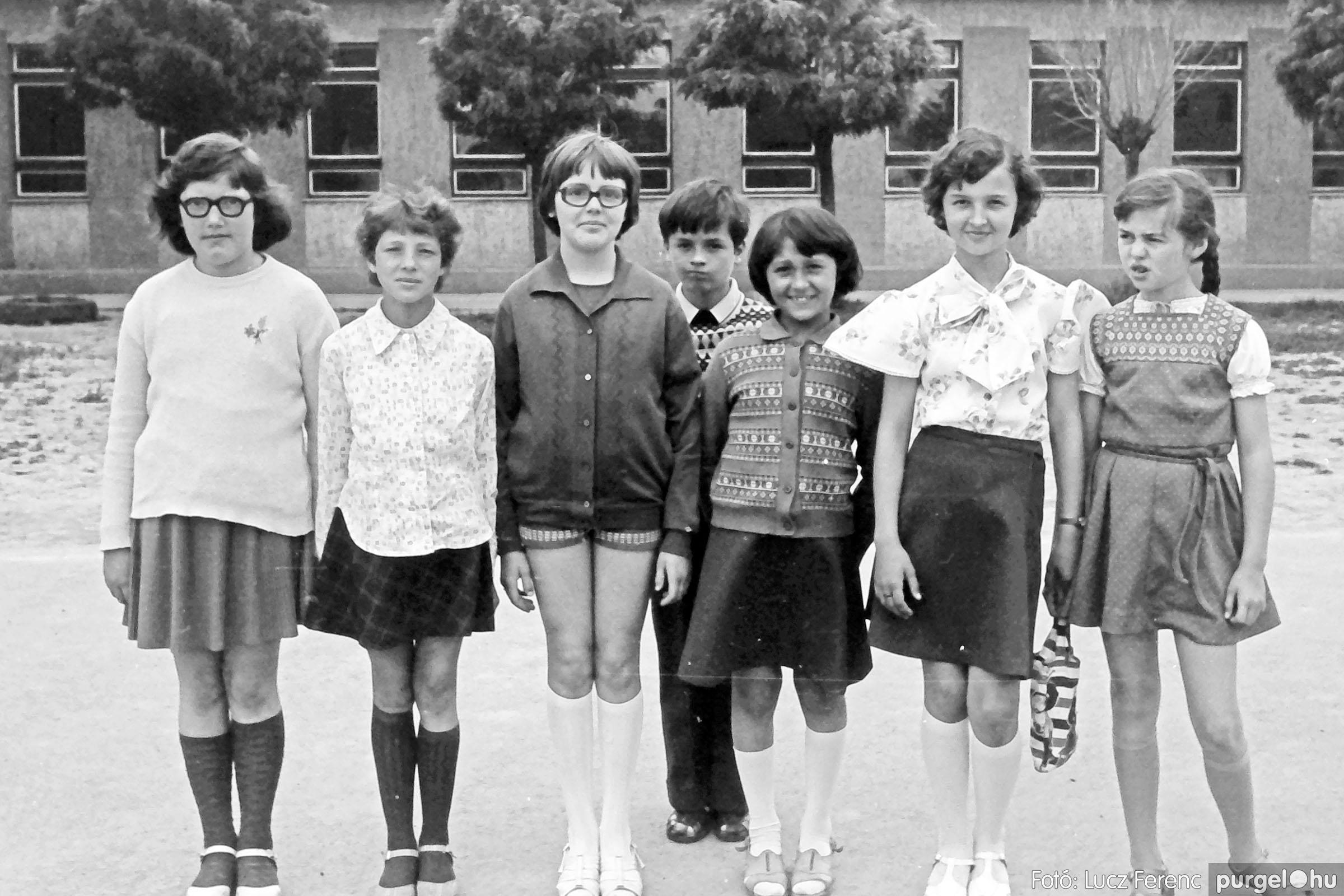 110. 1978. Osztályképek 001. - Fotó: Lucz Ferenc.jpg