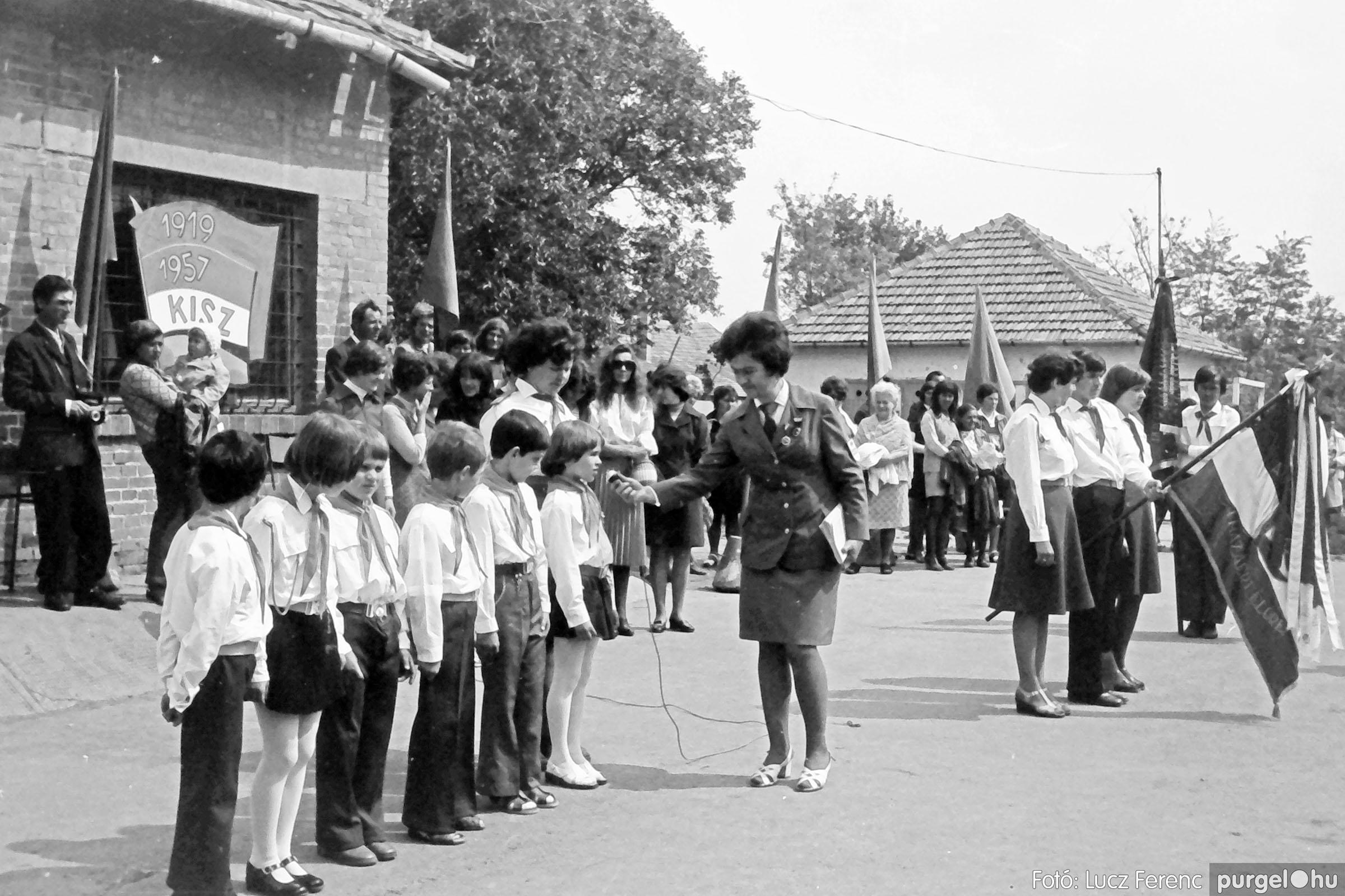110. 1978. Úttörő avatás 006. - Fotó: Lucz Ferenc.jpg