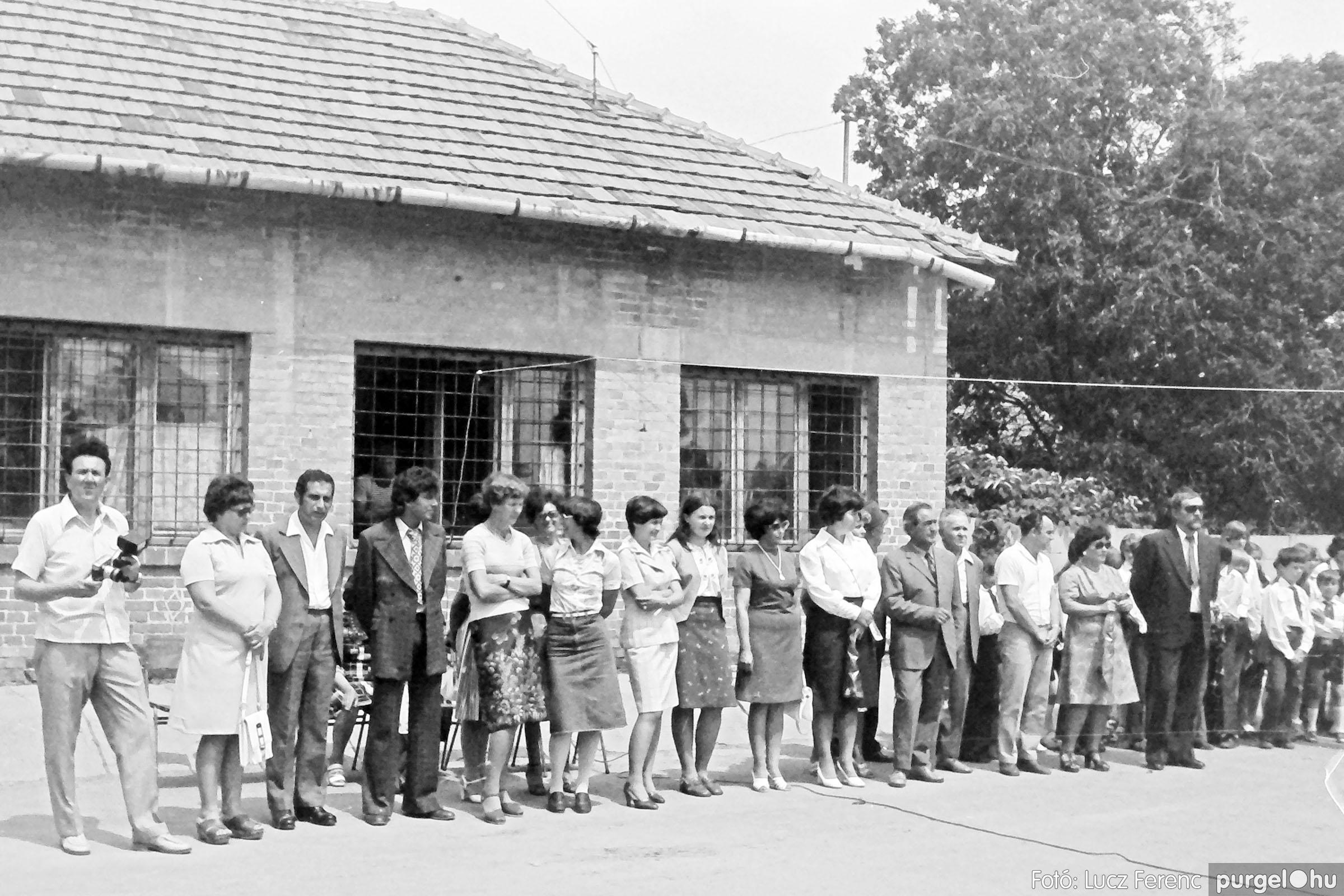 111. 1978. Ballagás és évzáró a központi iskolában 022. - Fotó: Lucz Ferenc.jpg