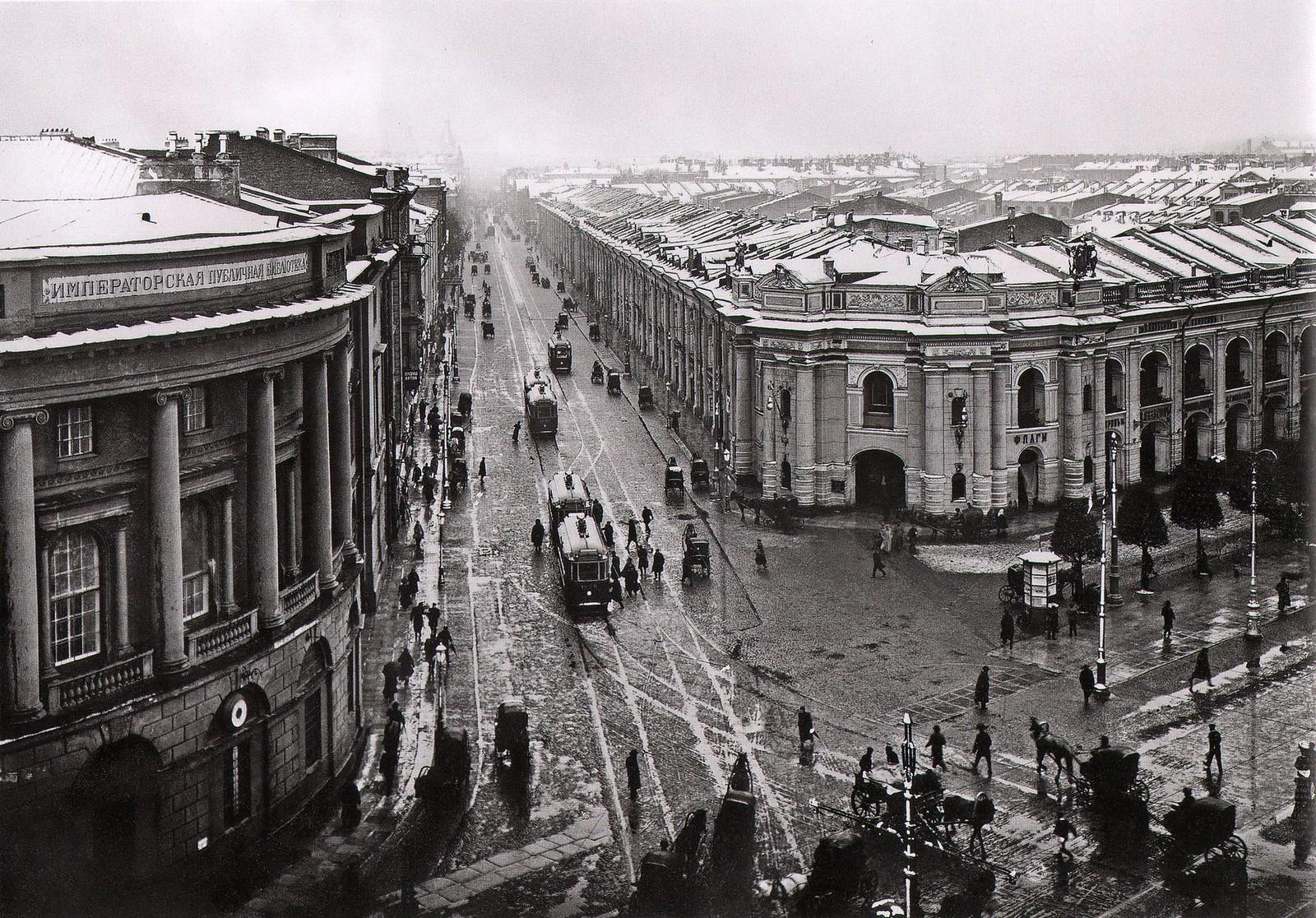 1908. Угол Невского и Садовой во время снега 24 мая