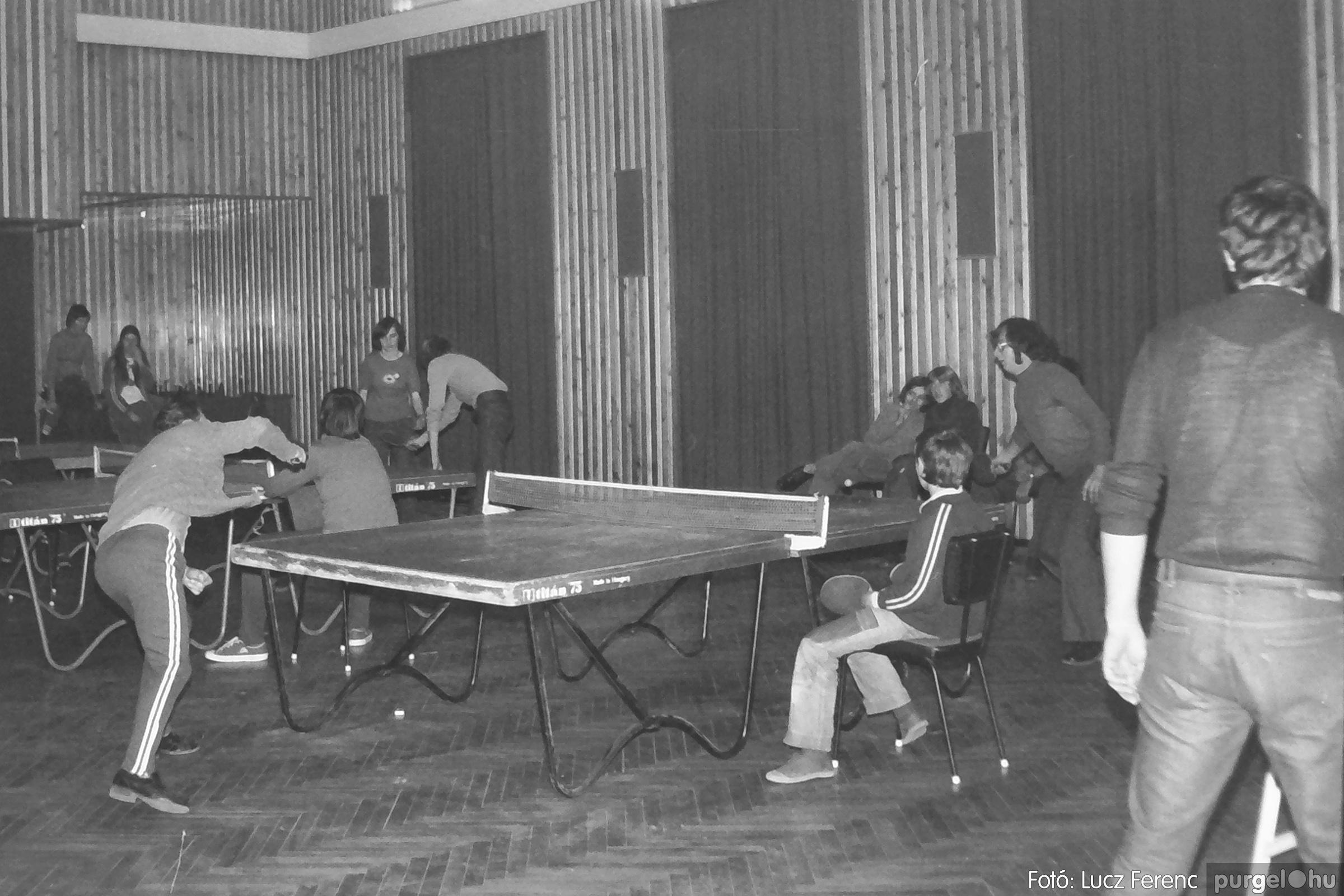 100. 1978. Asztaltenisz verseny 003. - Fotó: Lucz Ferenc.jpg