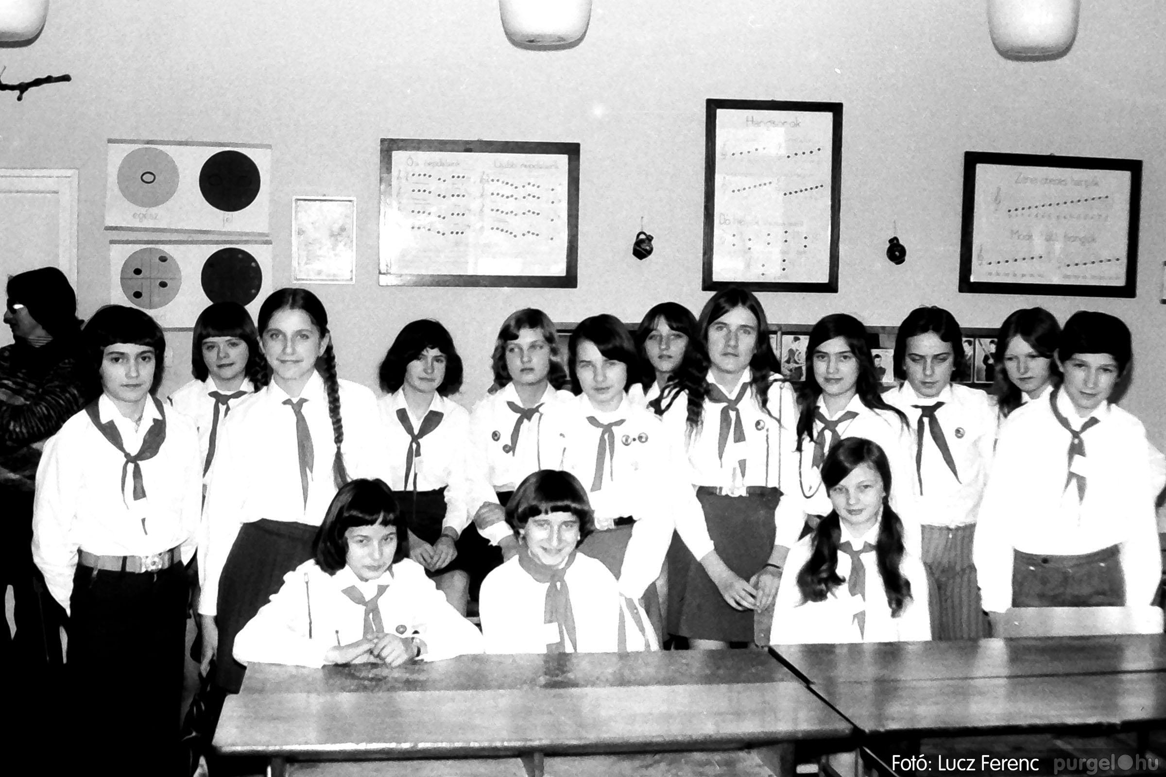 102. 1978. Szaktárgyi verseny a központi iskolában 010. - Fotó: Lucz Ferenc.jpg