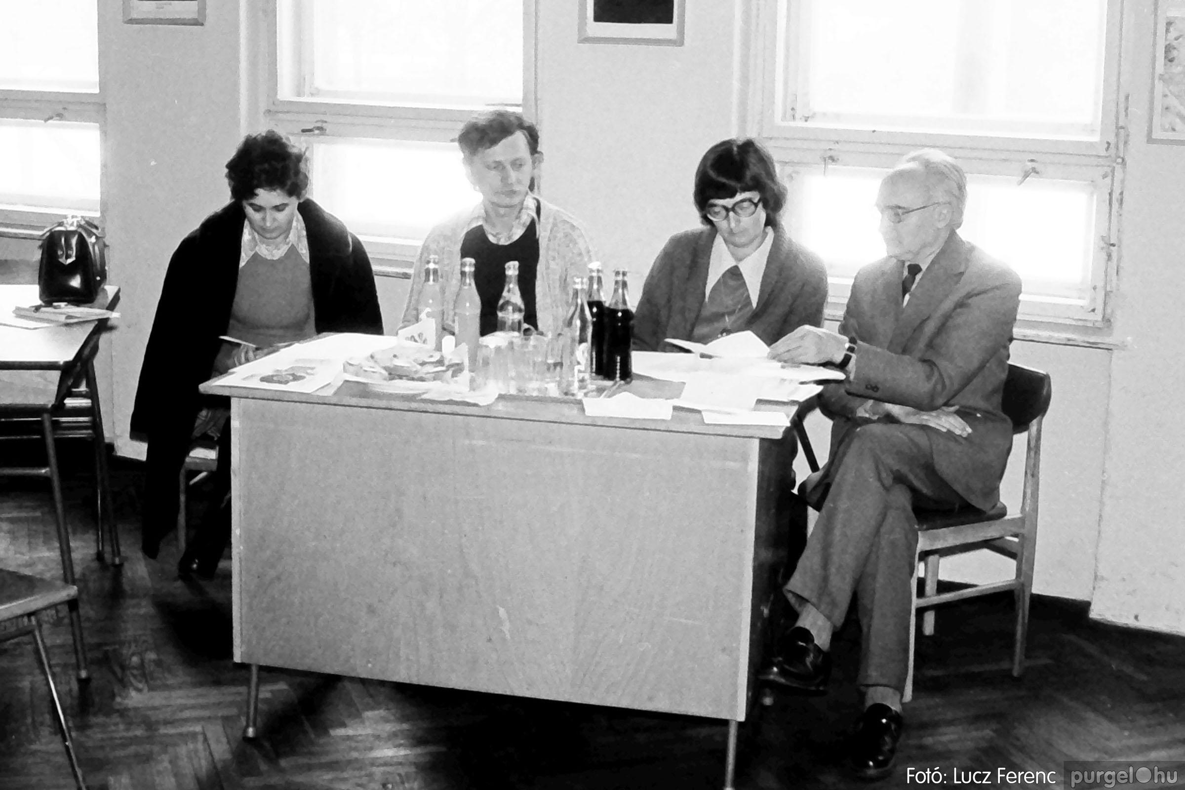 102. 1978. Szaktárgyi verseny a központi iskolában 007. - Fotó: Lucz Ferenc.jpg