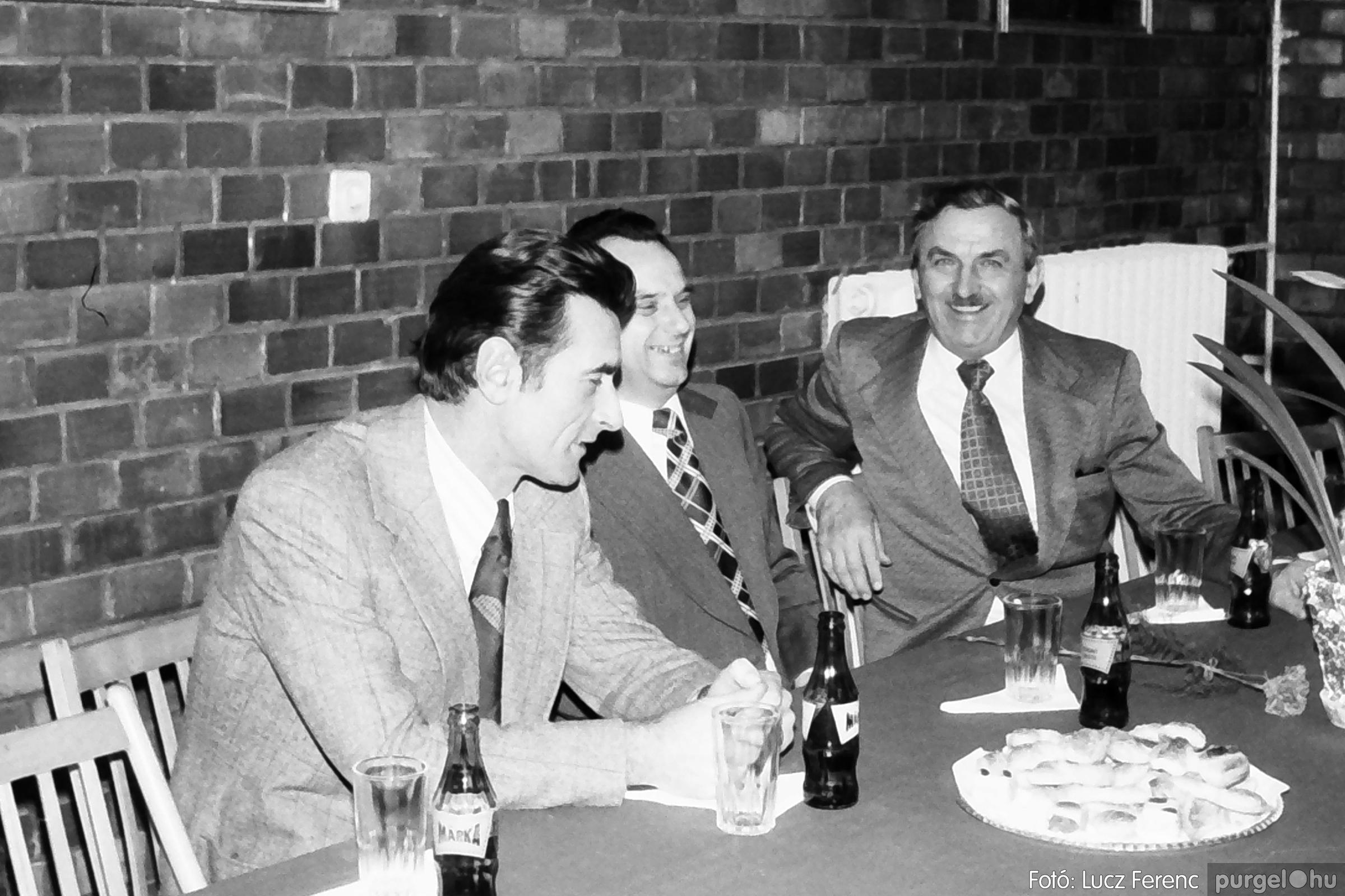 104. 1978. Nőnapi ünnepség a tanácsházban 001. - Fotó: Lucz Ferenc.jpg