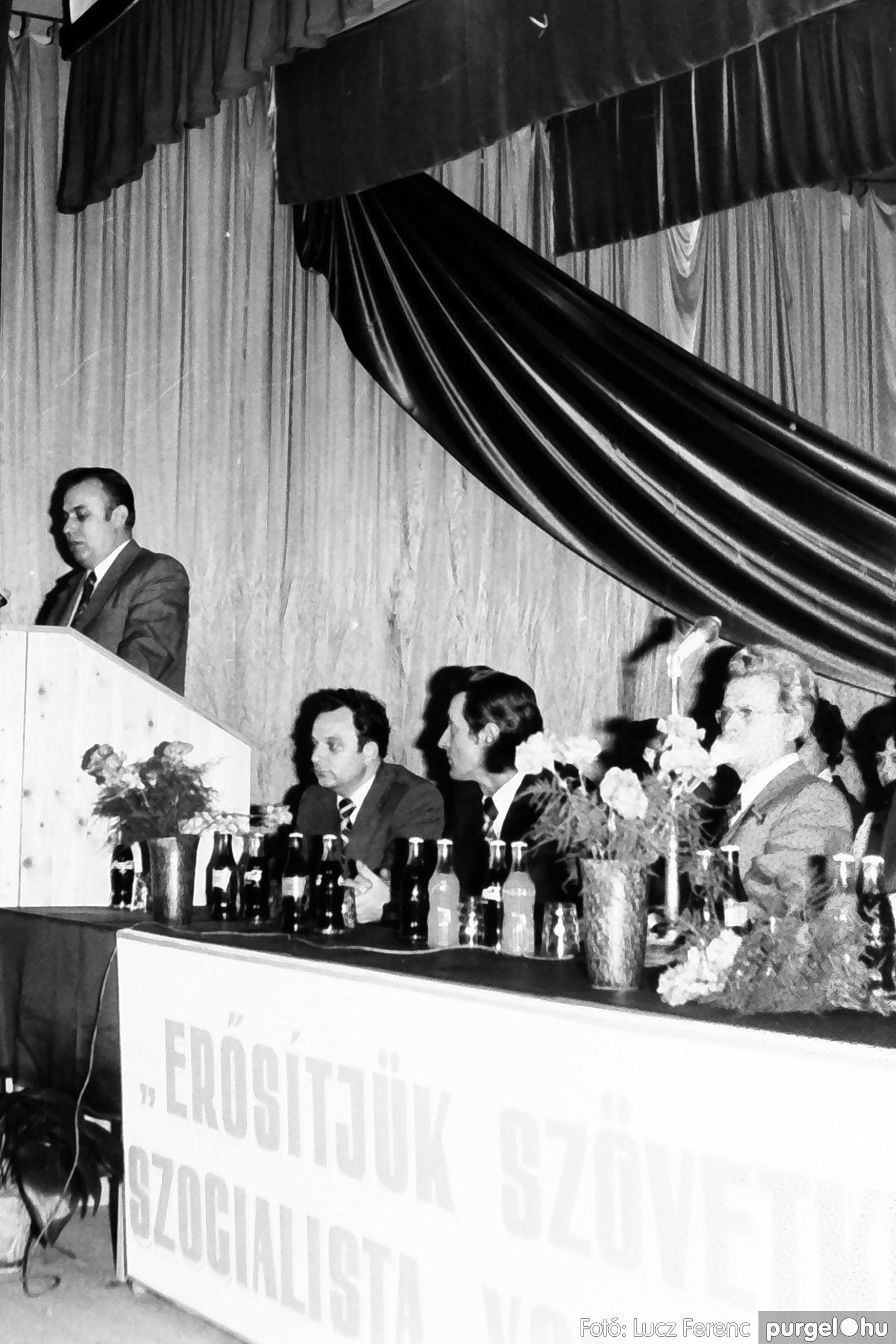 107. 1978. A KTSZ mérlegzáró közgyűlése 025. - Fotó: Lucz Ferenc.jpg