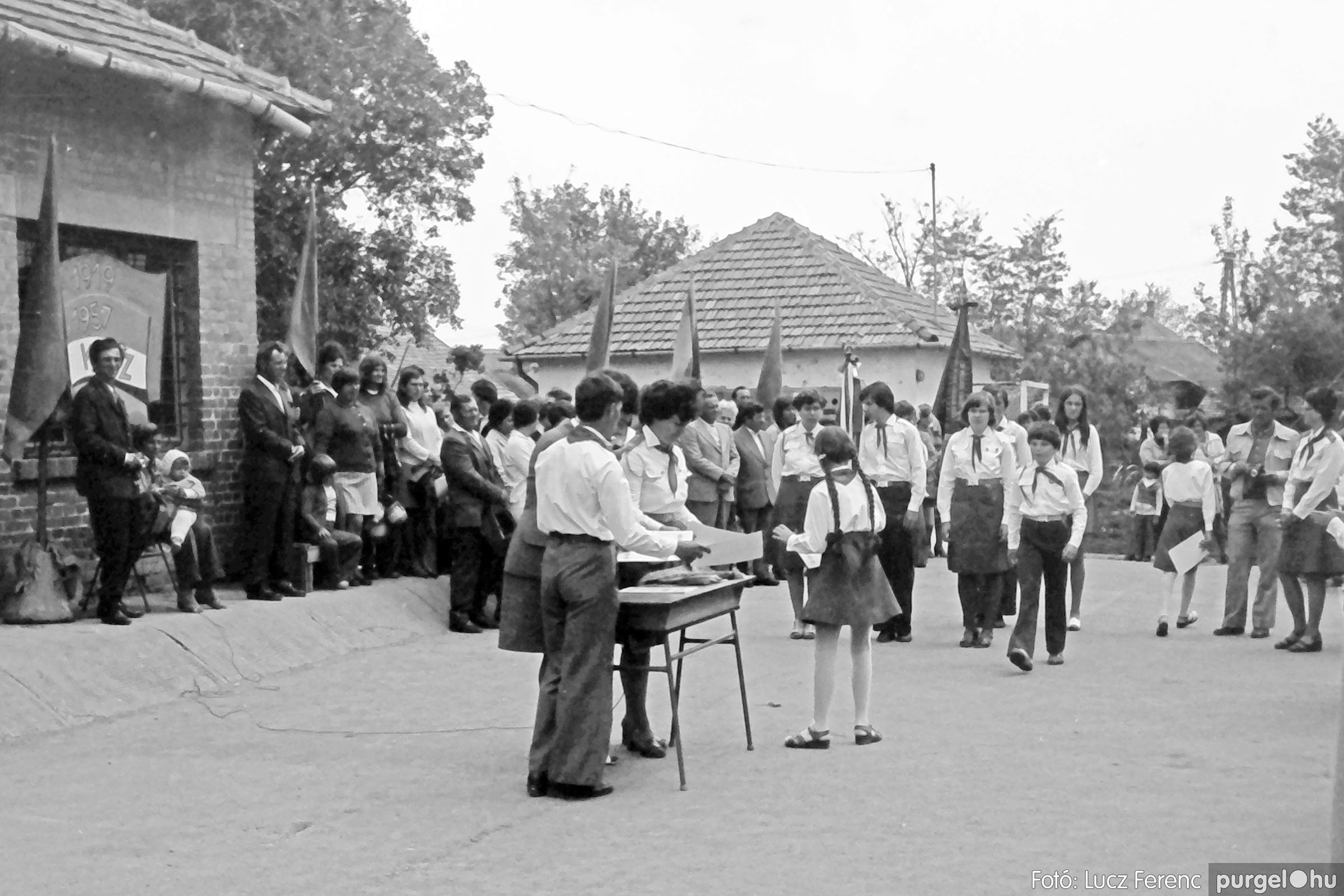 110. 1978. Úttörő avatás 017. - Fotó: Lucz Ferenc.jpg
