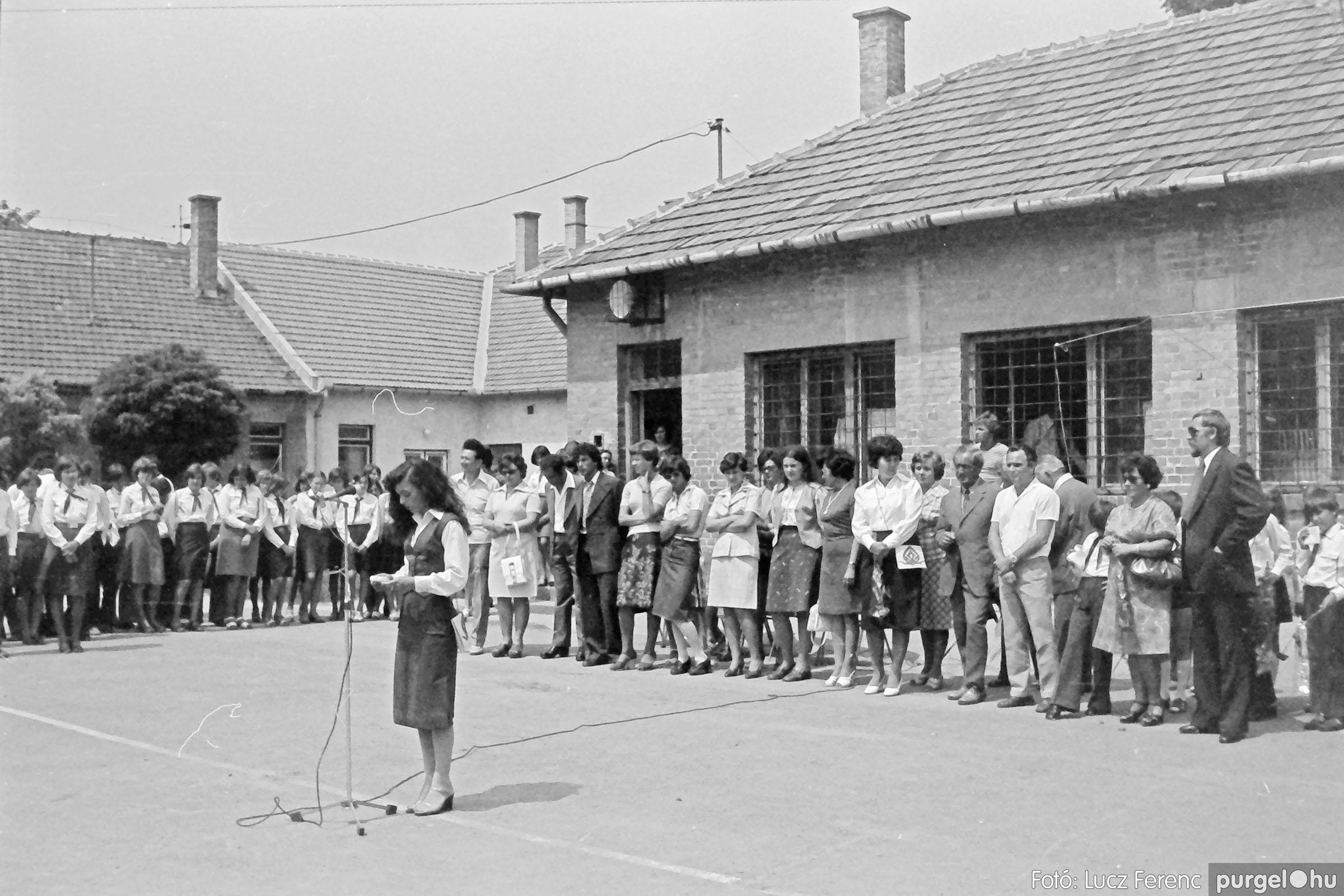 111. 1978. Ballagás és évzáró a központi iskolában 025. - Fotó: Lucz Ferenc.jpg