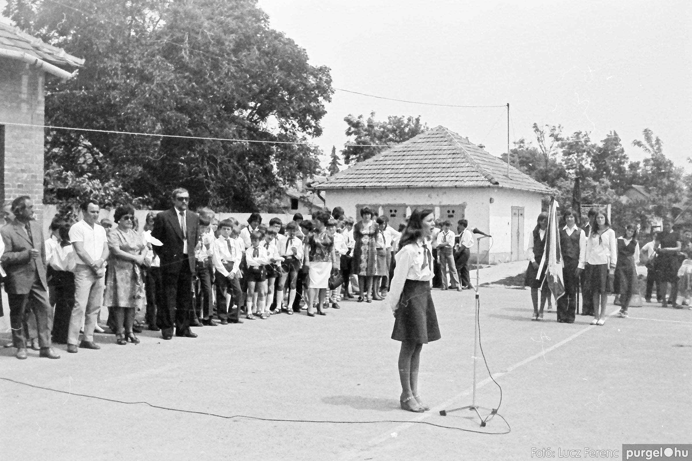 111. 1978. Ballagás és évzáró a központi iskolában 024. - Fotó: Lucz Ferenc.jpg