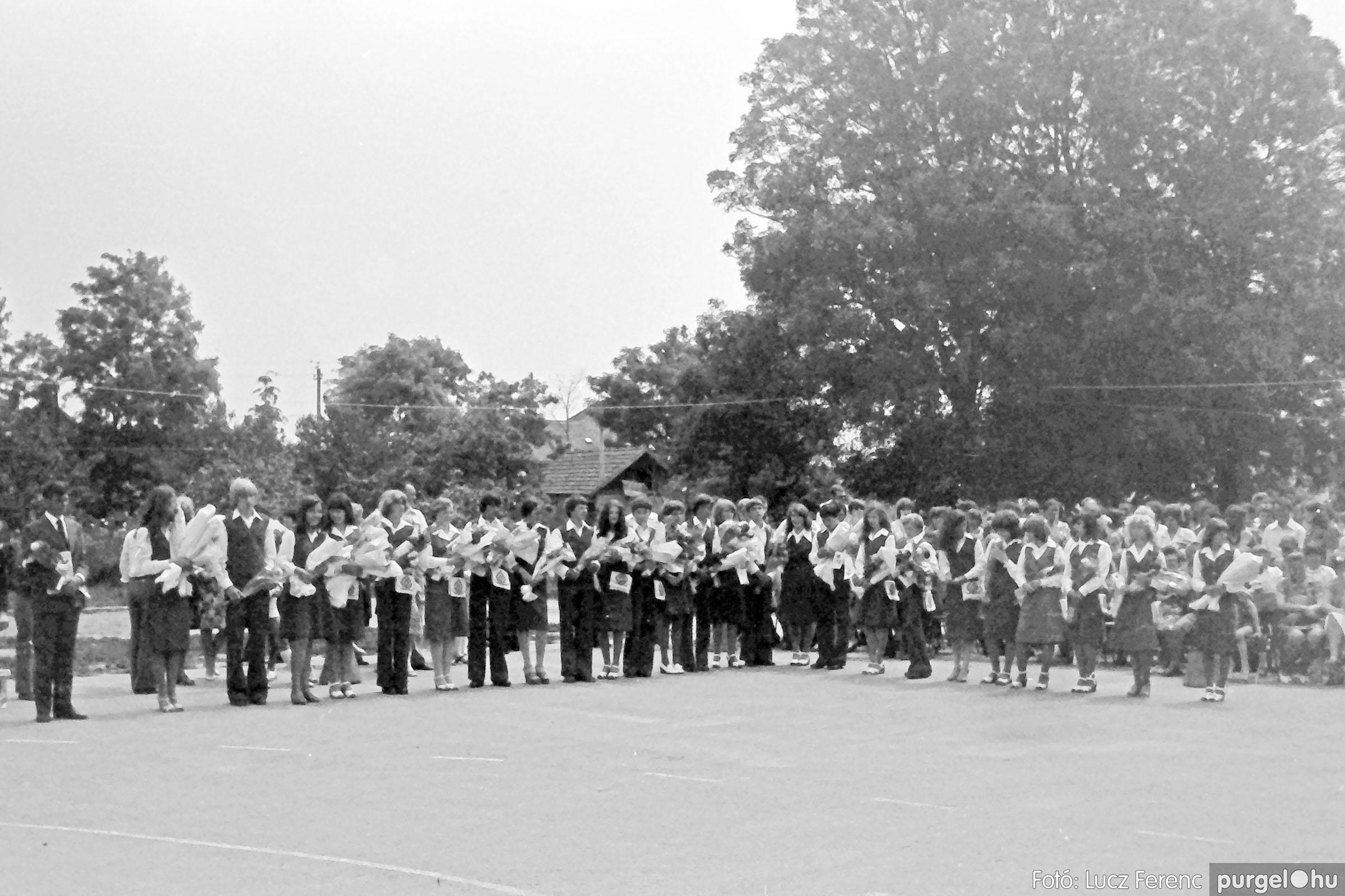 111. 1978. Ballagás és évzáró a központi iskolában 019. - Fotó: Lucz Ferenc.jpg