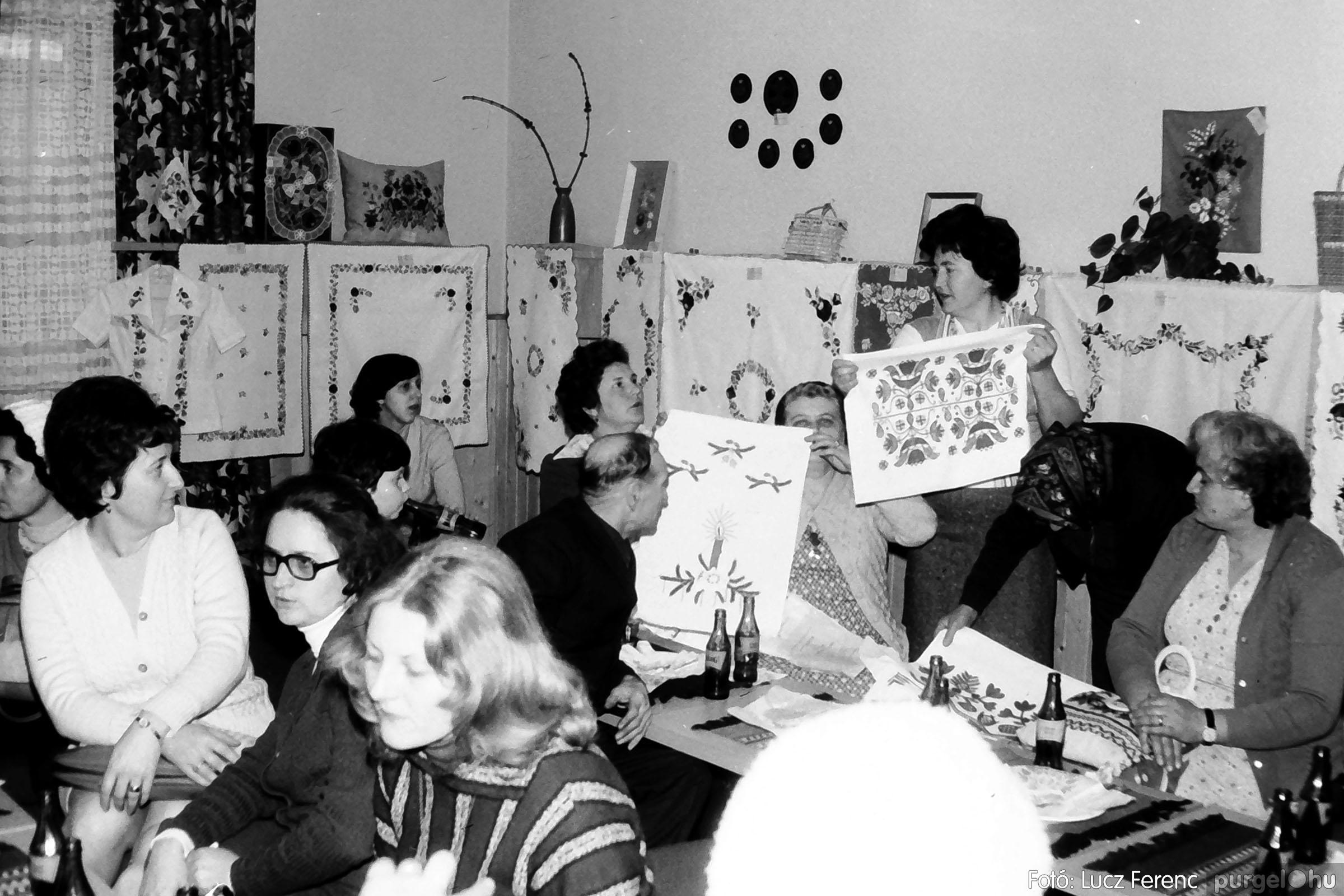 101. 1978. A Díszítőművész Szakkör vendégeskedése Tápén 009. - Fotó: Lucz Ferenc.jpg