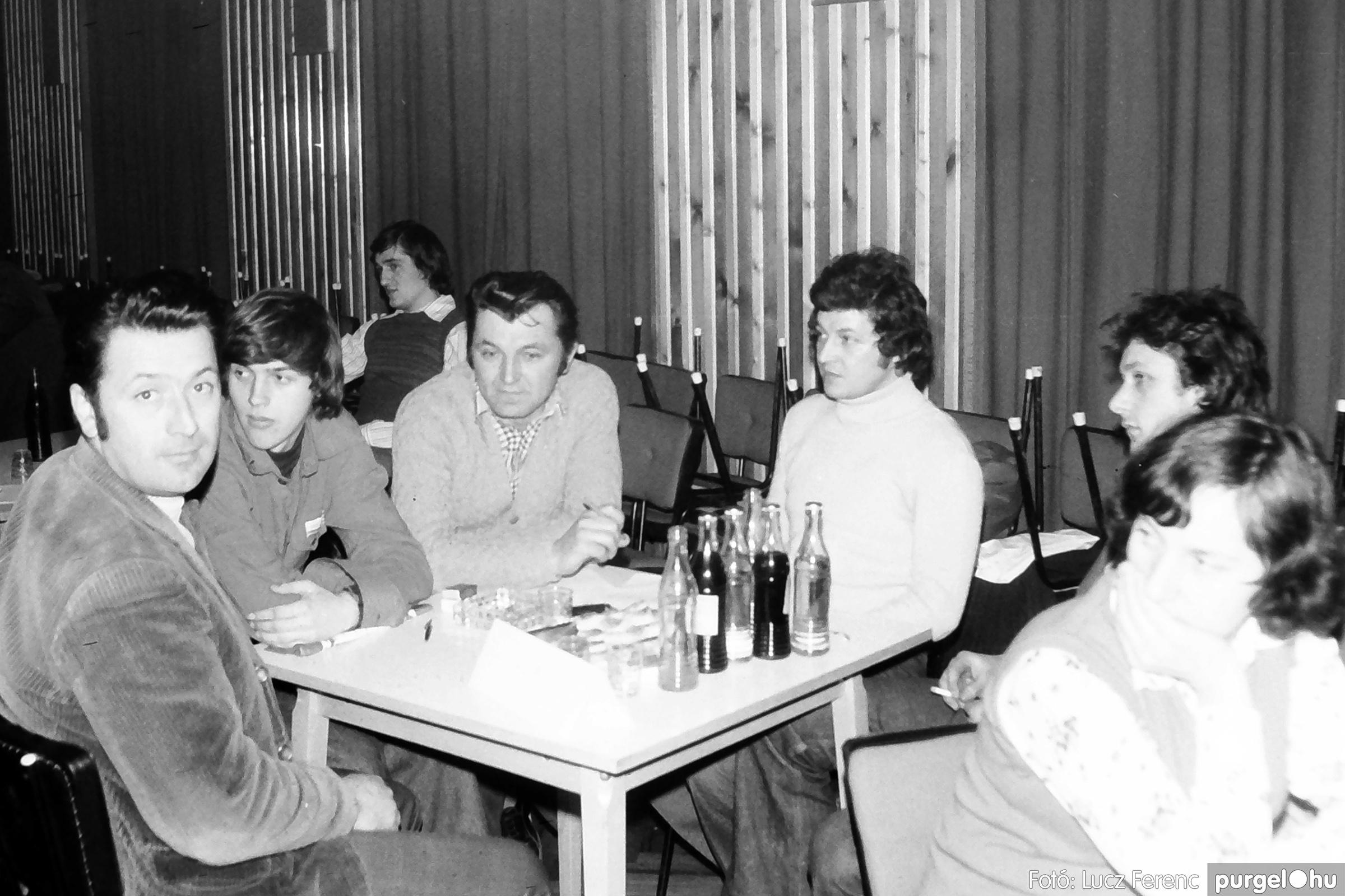 101. 1978. KTSZ-es vetélkedő a kultúrházban 012. - Fotó: Lucz Ferenc.jpg