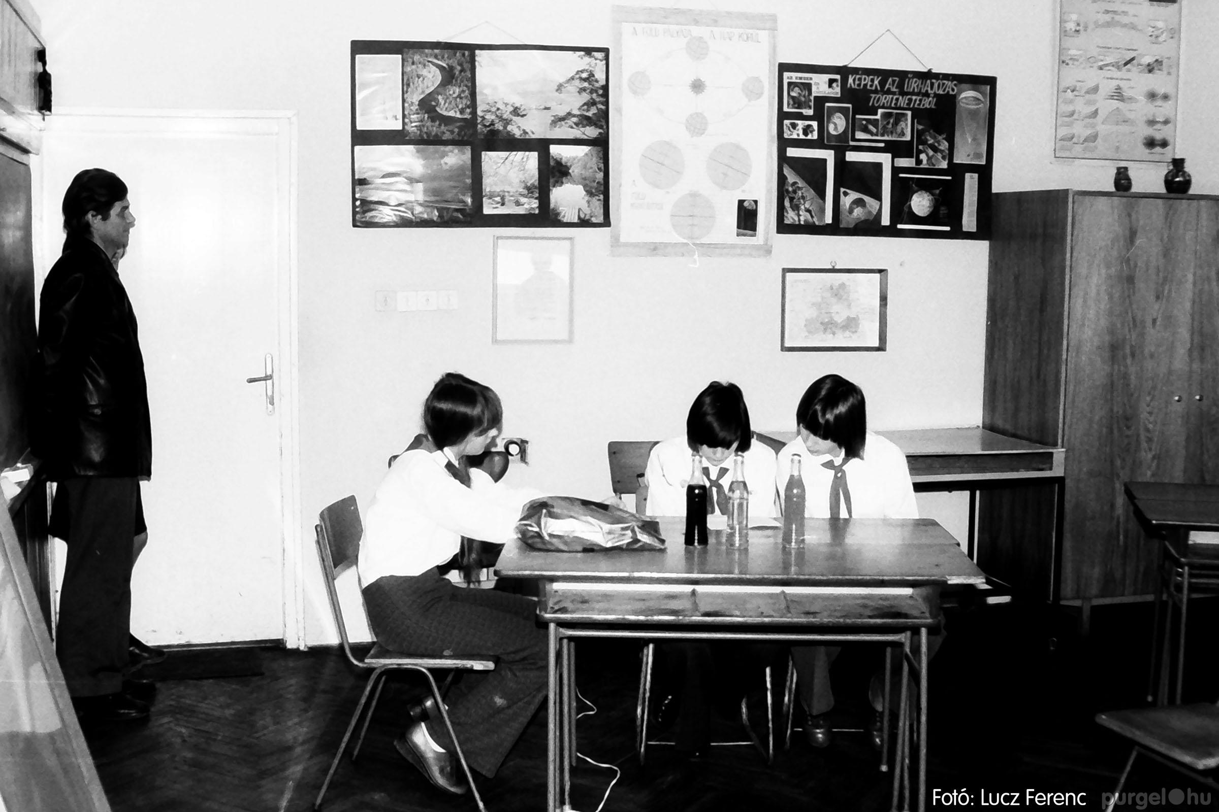 102. 1978. Szaktárgyi verseny a központi iskolában 008. - Fotó: Lucz Ferenc.jpg
