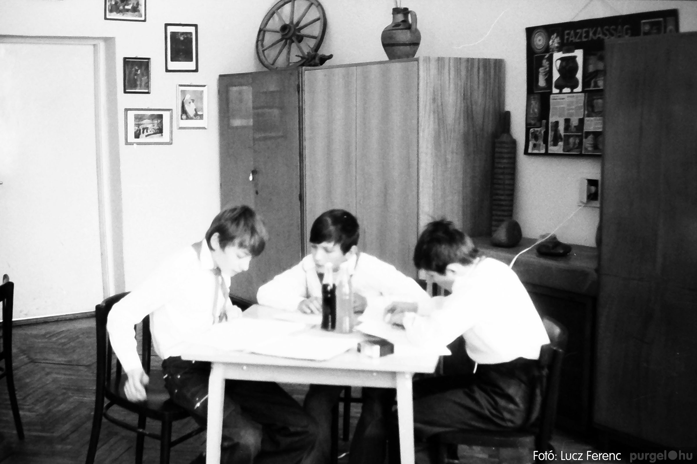 102. 1978. Szaktárgyi verseny a központi iskolában 004. - Fotó: Lucz Ferenc.jpg