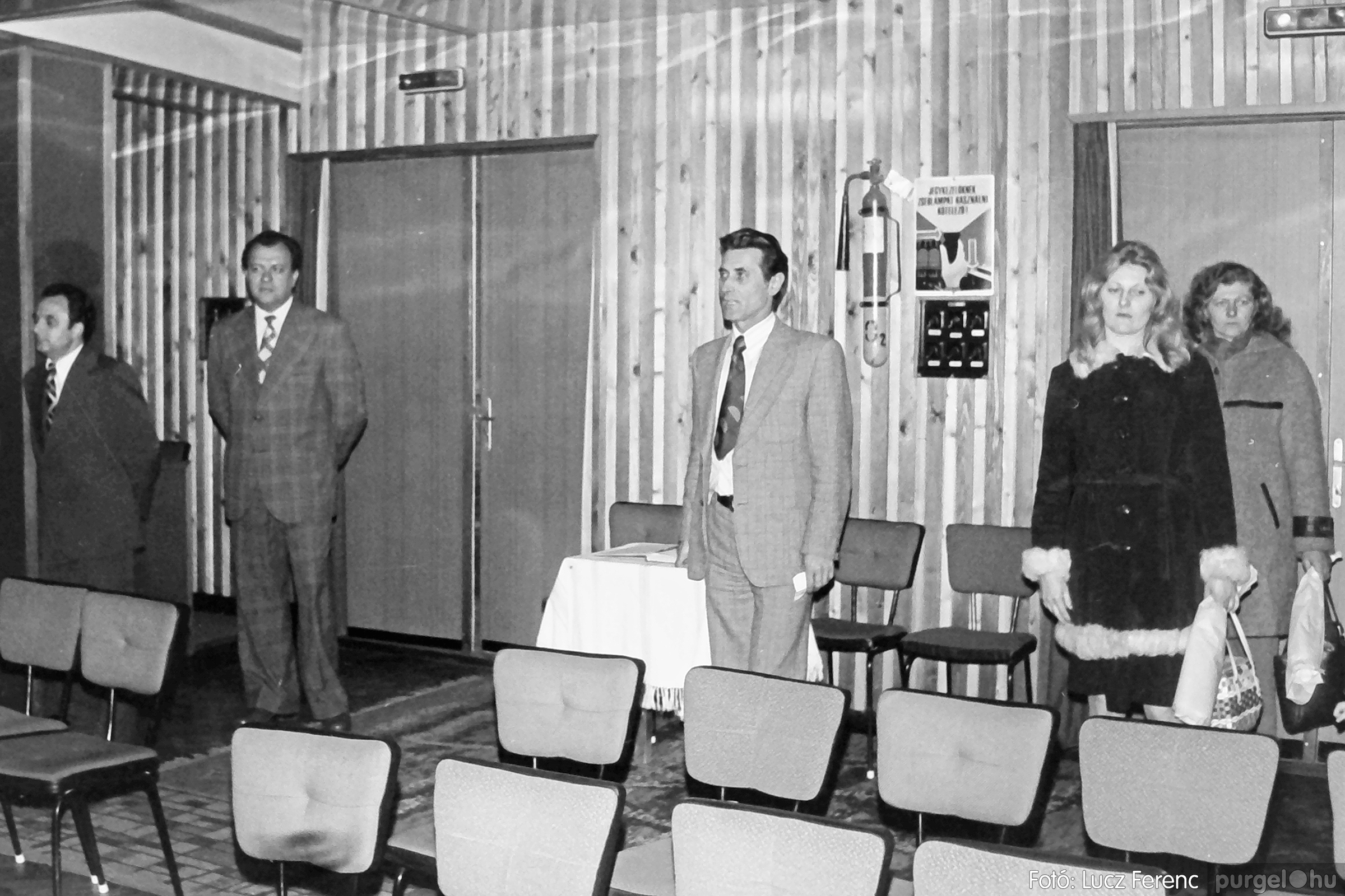 104. 1978. Nőnapi ünnepség a tanácsházban 016. - Fotó: Lucz Ferenc.jpg