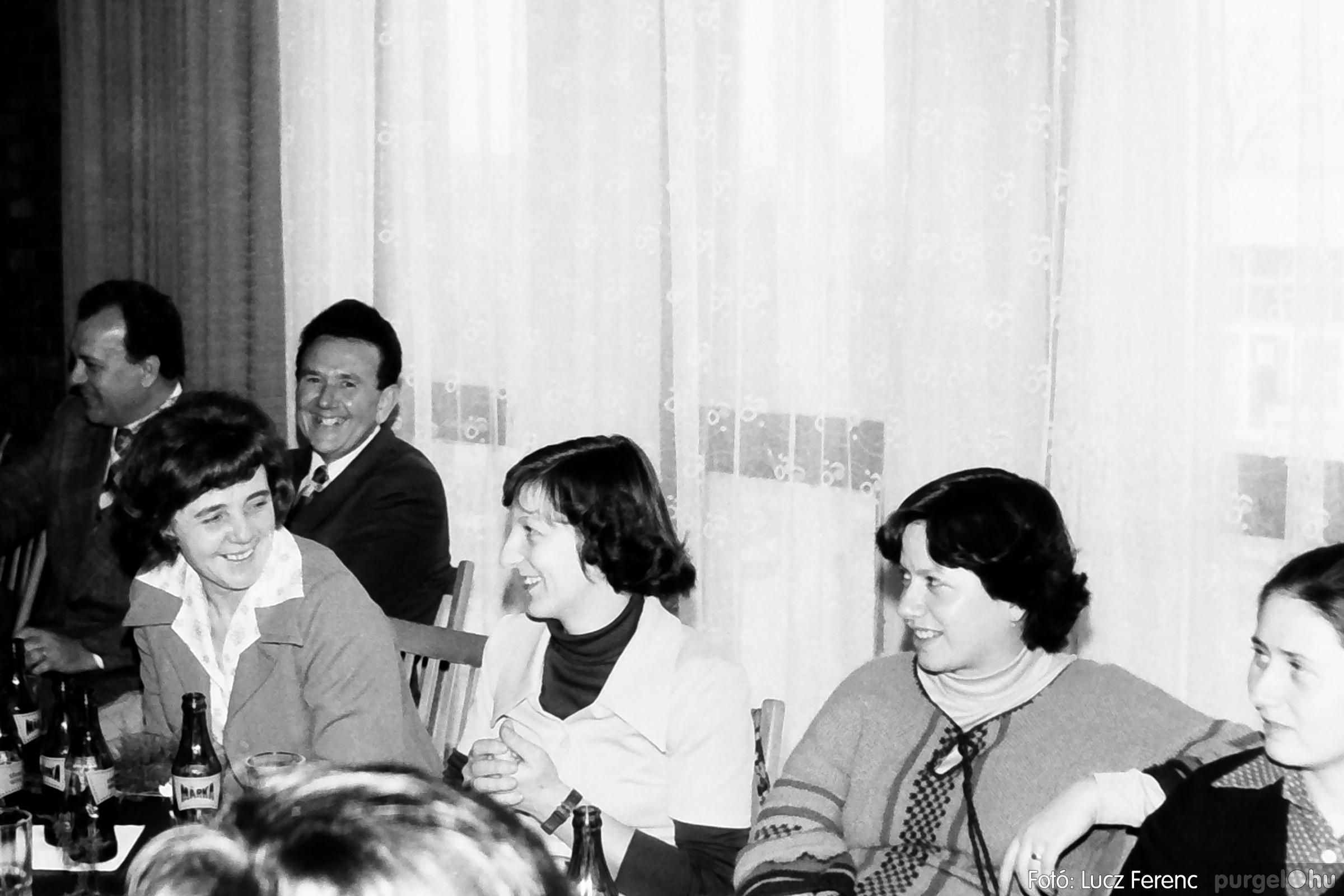 104. 1978. Nőnapi ünnepség a tanácsházban 012. - Fotó: Lucz Ferenc.jpg