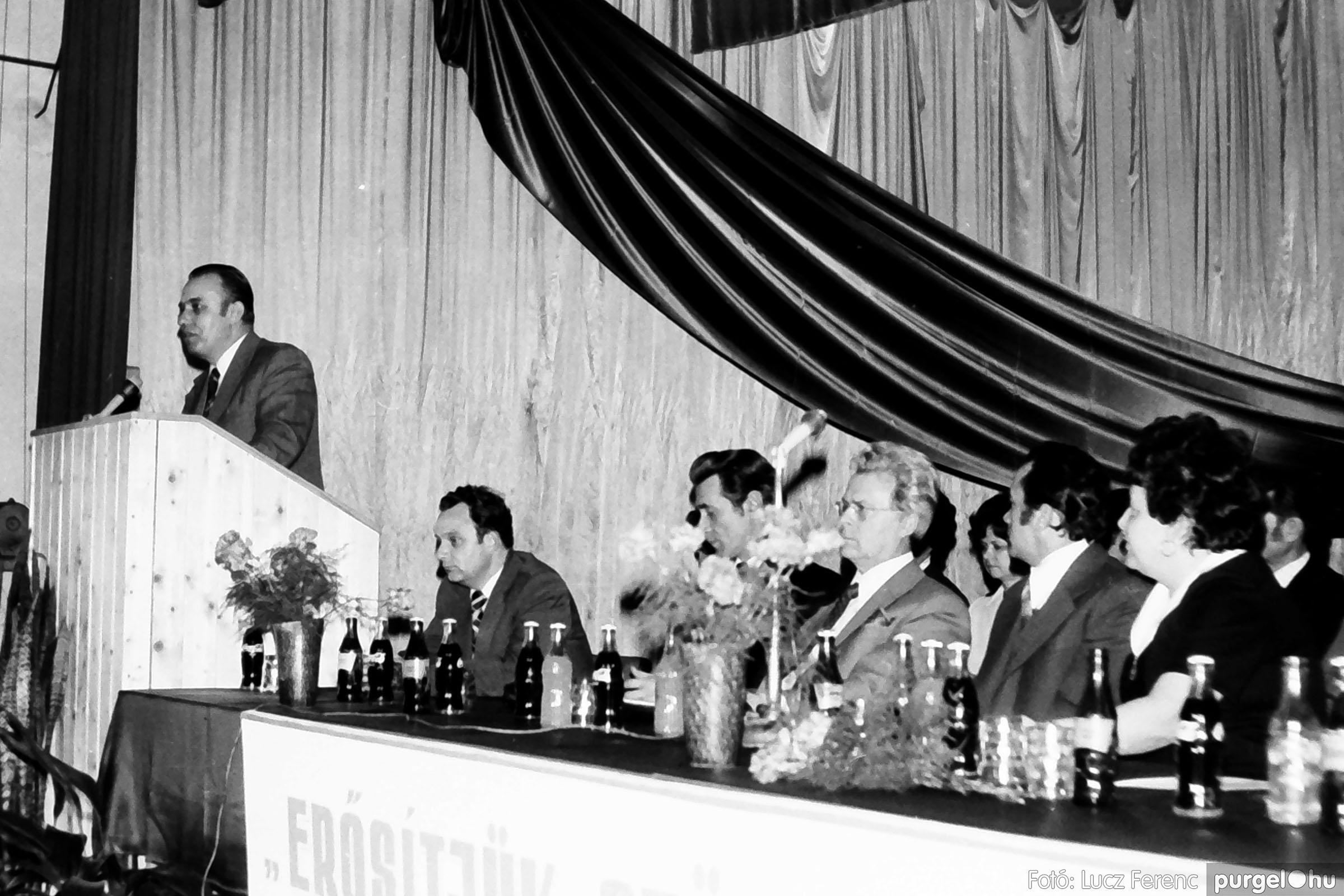 107. 1978. A KTSZ mérlegzáró közgyűlése 031. - Fotó: Lucz Ferenc.jpg