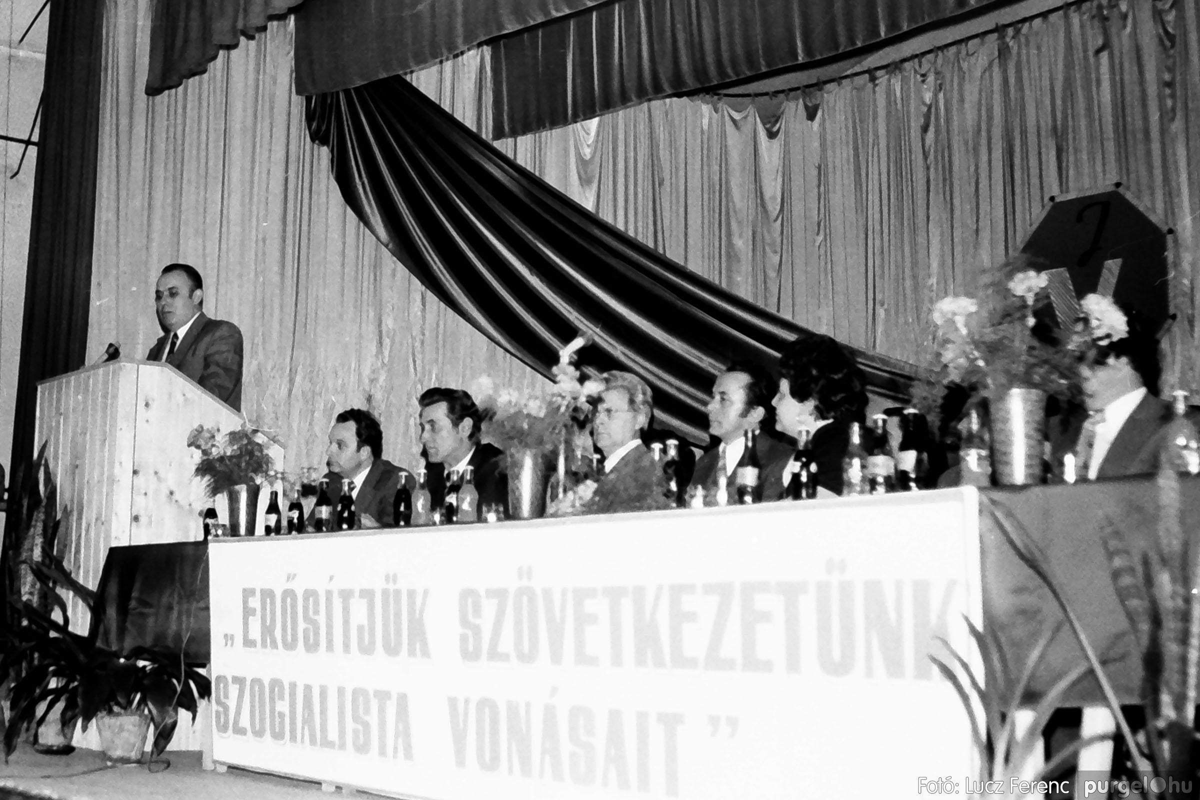 107. 1978. A KTSZ mérlegzáró közgyűlése 024. - Fotó: Lucz Ferenc.jpg