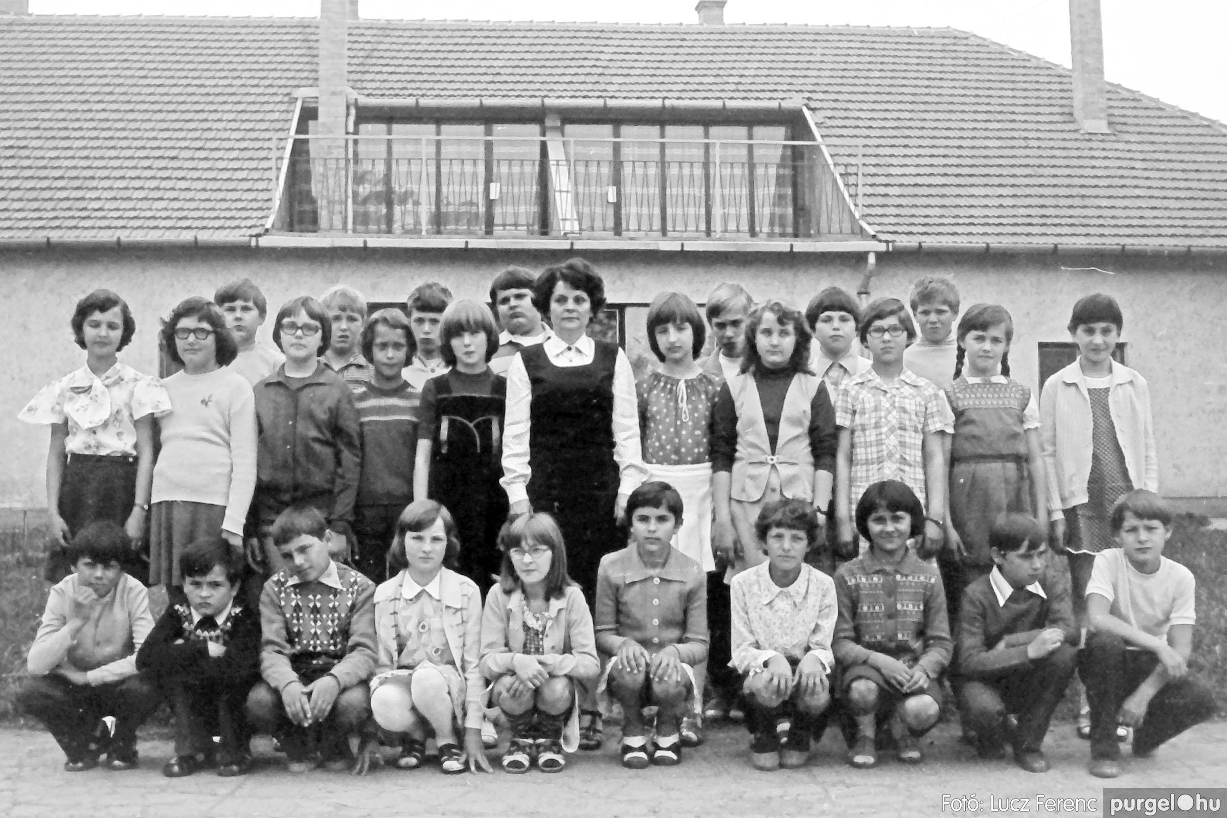 110. 1978. Osztályképek 002. - Fotó: Lucz Ferenc.jpg
