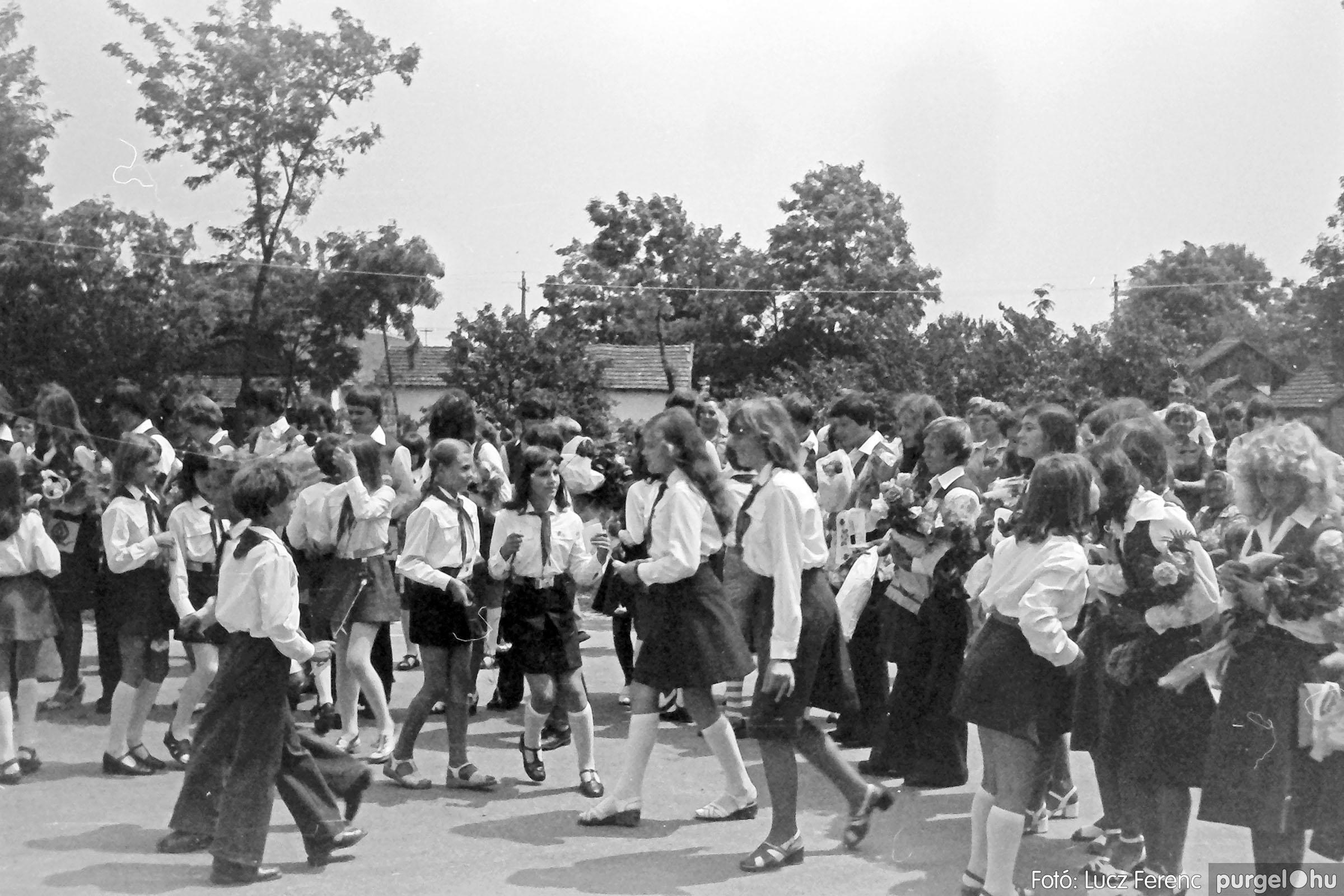 111. 1978. Ballagás és évzáró a központi iskolában 029. - Fotó: Lucz Ferenc.jpg