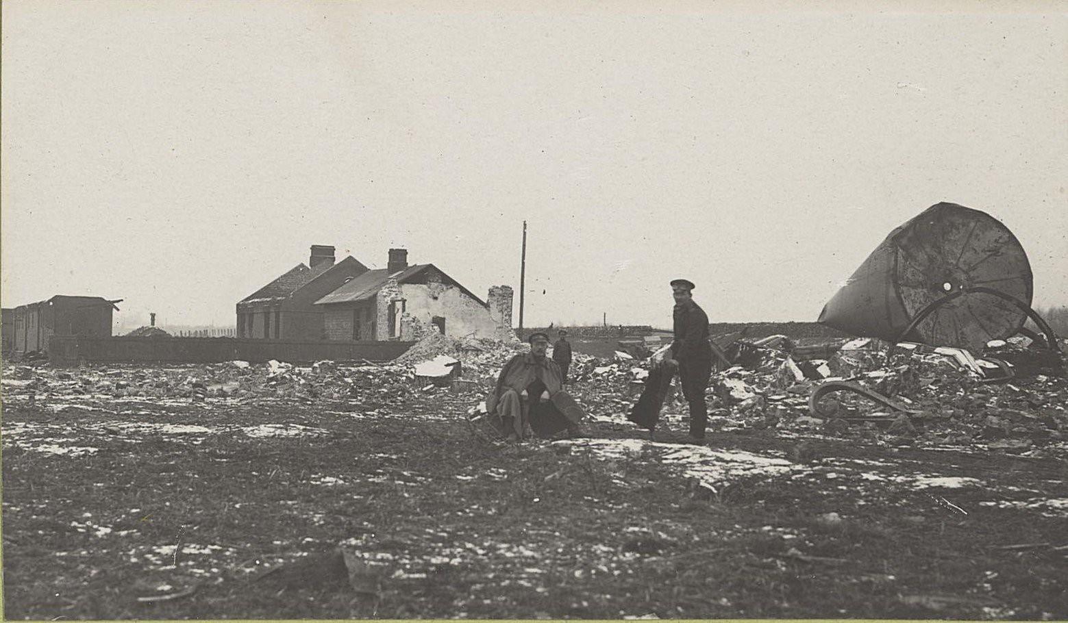 74. Разрушенная водокачка на станции Влощова