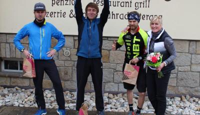 V Hlučíně běžci podpořili Šimona a Matýska