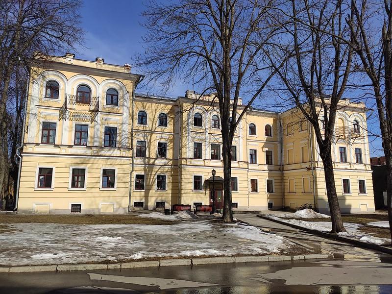 Великий Новгород - Новгородский кремль (Детинец) - Колледж искусств имени Рахманинова
