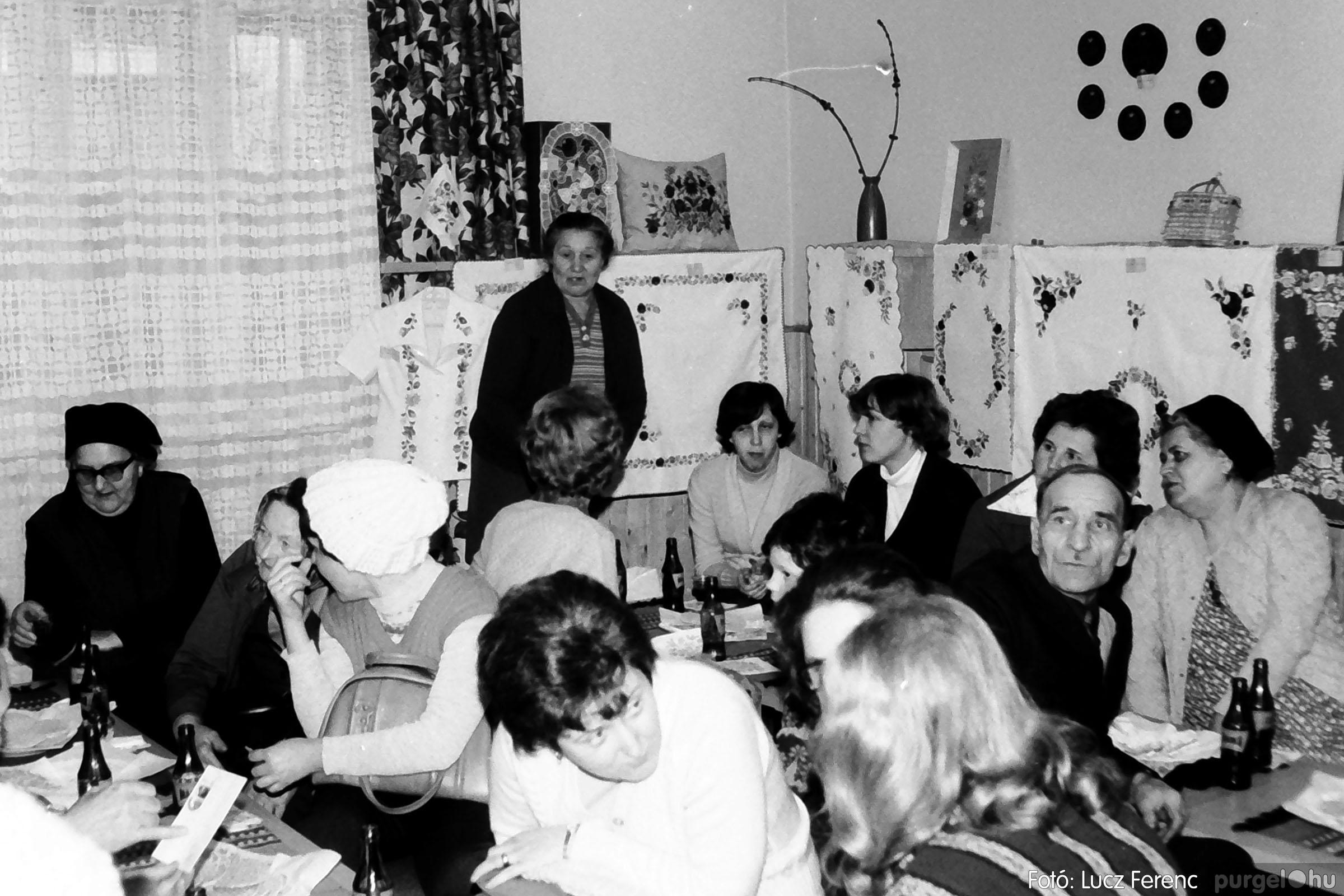 101. 1978. A Díszítőművész Szakkör vendégeskedése Tápén 006. - Fotó: Lucz Ferenc.jpg