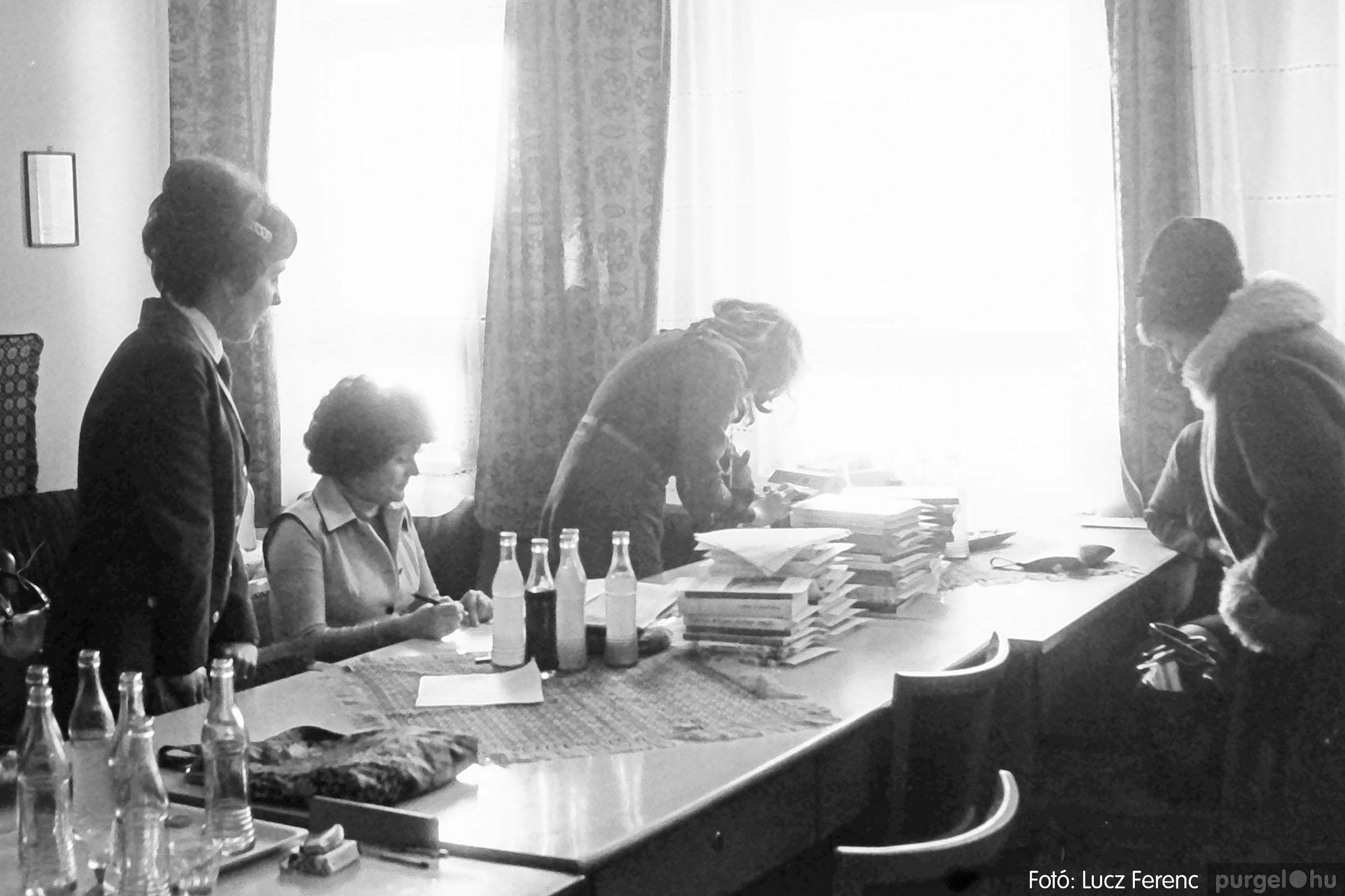 102. 1978. Szaktárgyi verseny a központi iskolában 015. - Fotó: Lucz Ferenc.jpg