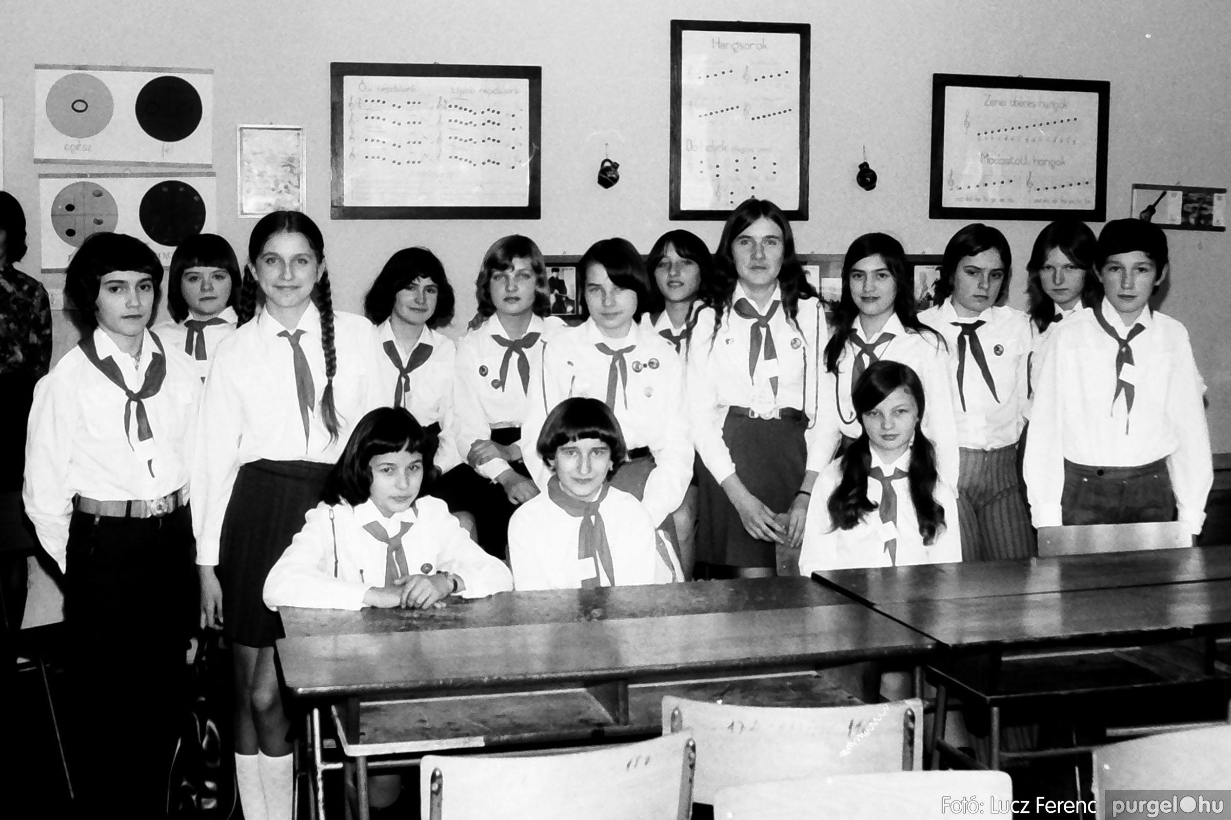 102. 1978. Szaktárgyi verseny a központi iskolában 009. - Fotó: Lucz Ferenc.jpg