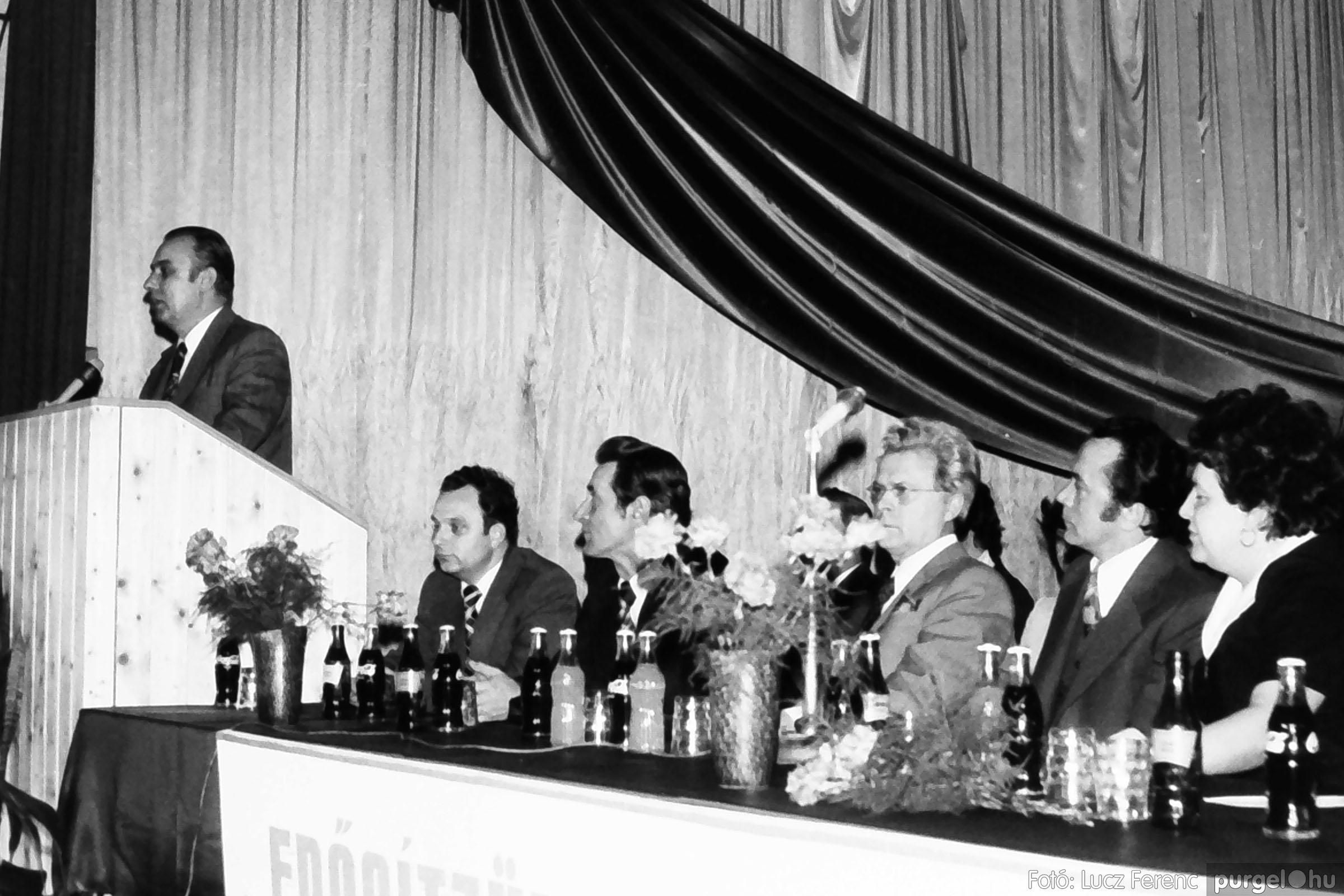 107. 1978. A KTSZ mérlegzáró közgyűlése 026. - Fotó: Lucz Ferenc.jpg