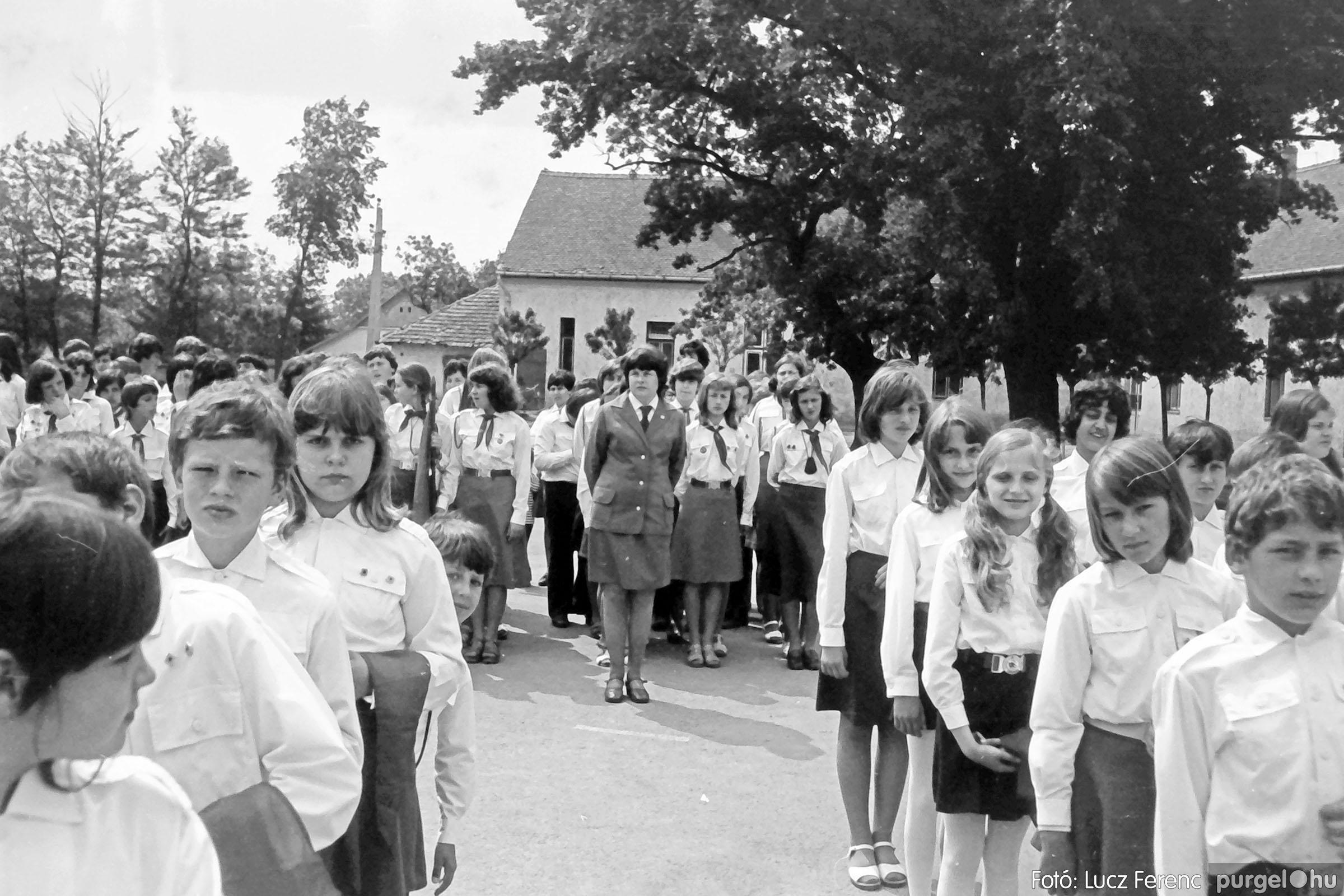 110. 1978. Úttörő avatás 008. - Fotó: Lucz Ferenc.jpg