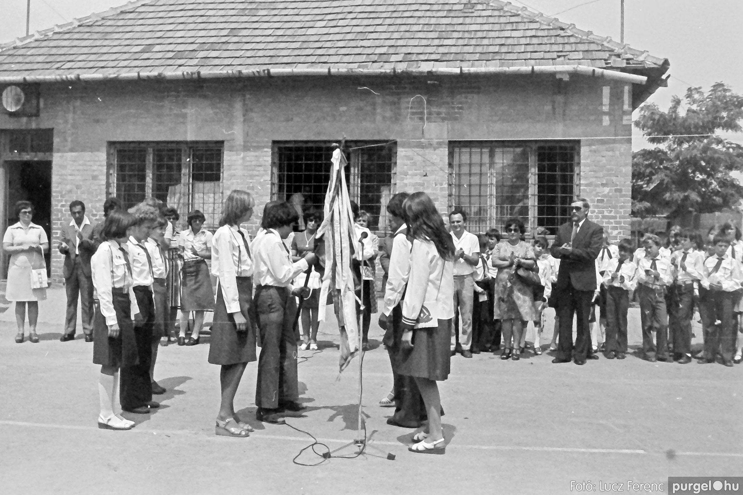 111. 1978. Ballagás és évzáró a központi iskolában 026. - Fotó: Lucz Ferenc.jpg