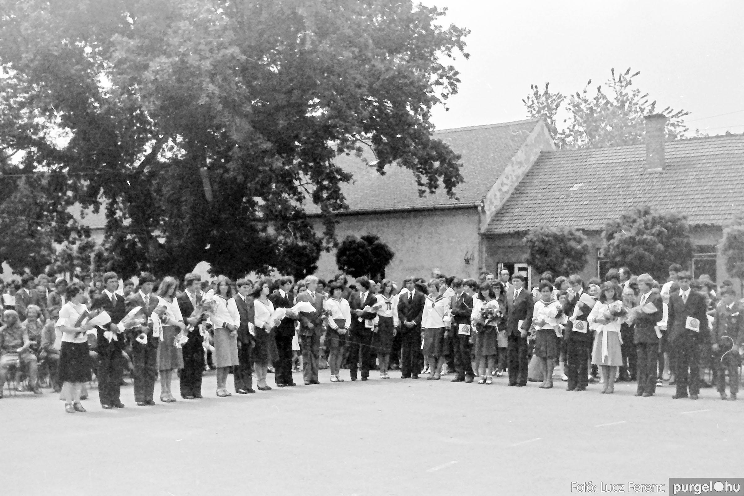 111. 1978. Ballagás és évzáró a központi iskolában 020. - Fotó: Lucz Ferenc.jpg