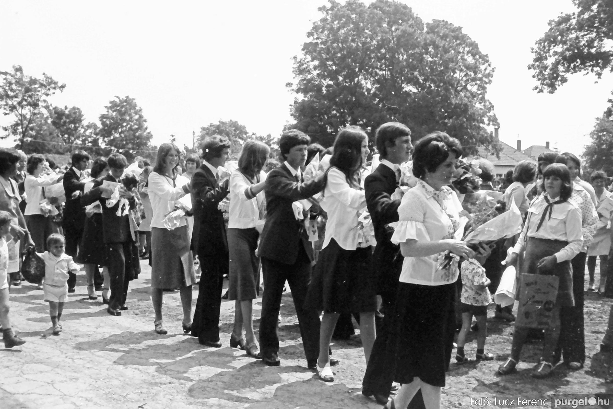111. 1978. Ballagás és évzáró a központi iskolában 011. - Fotó: Lucz Ferenc.jpg