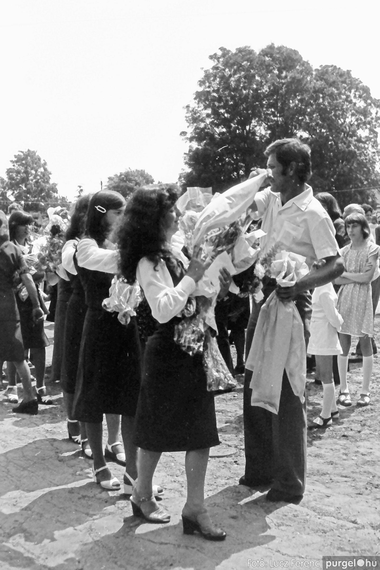 111. 1978. Ballagás és évzáró a központi iskolában 010. - Fotó: Lucz Ferenc.jpg