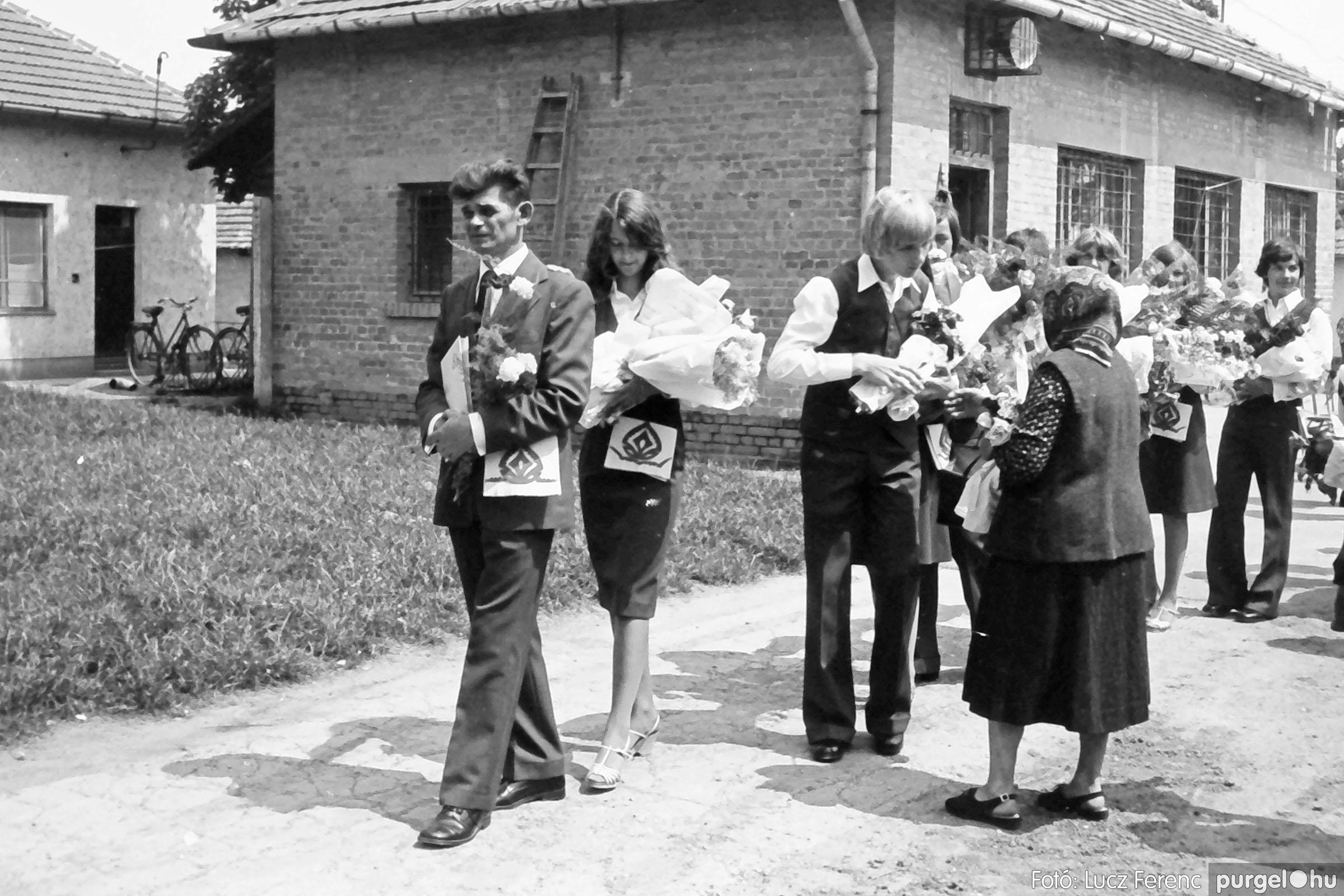 111. 1978. Ballagás és évzáró a központi iskolában 008. - Fotó: Lucz Ferenc.jpg