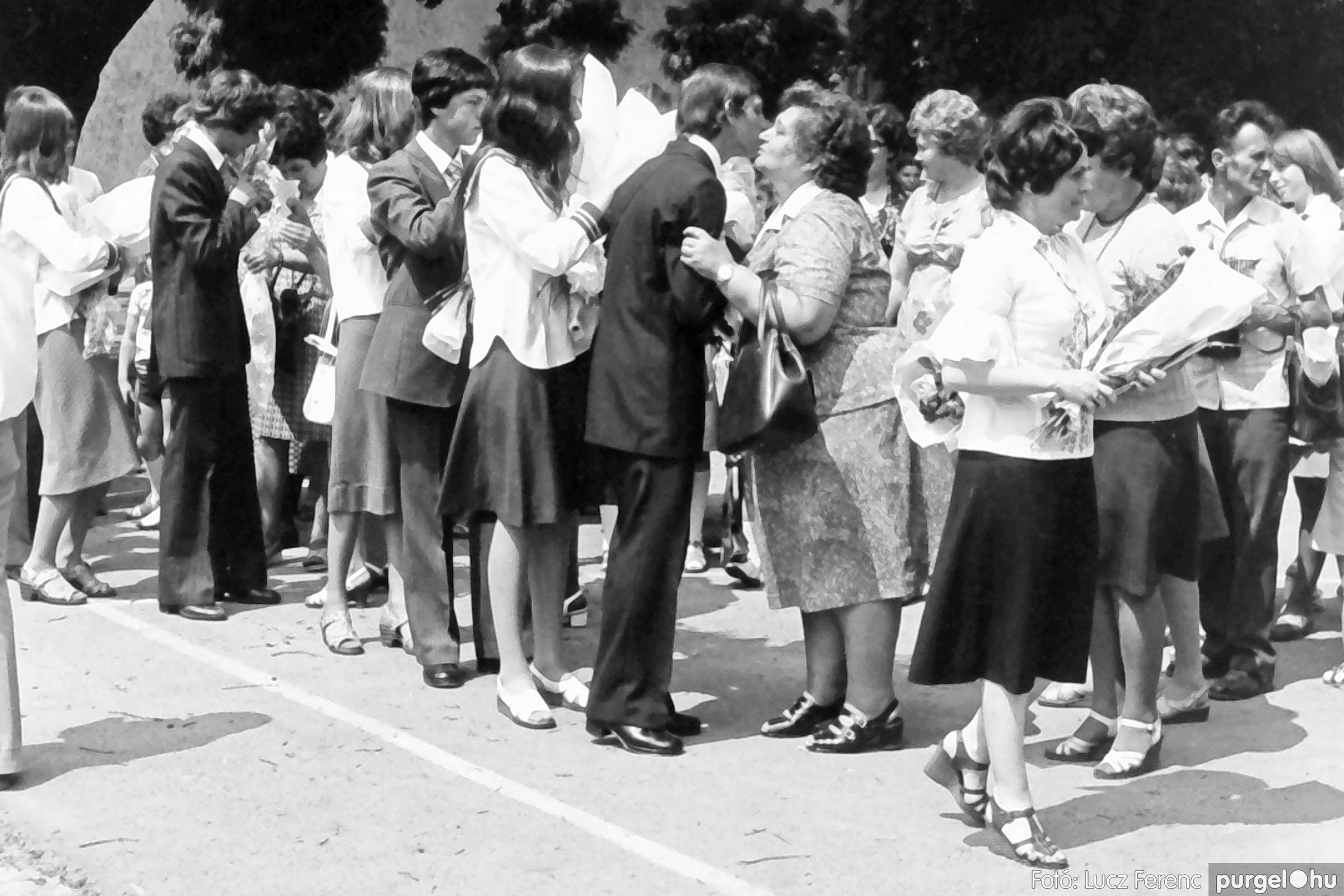 111. 1978. Ballagás és évzáró a központi iskolában 006. - Fotó: Lucz Ferenc.jpg