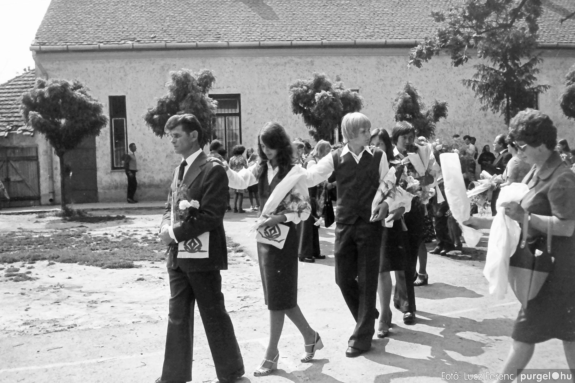 111. 1978. Ballagás és évzáró a központi iskolában 003. - Fotó: Lucz Ferenc.jpg