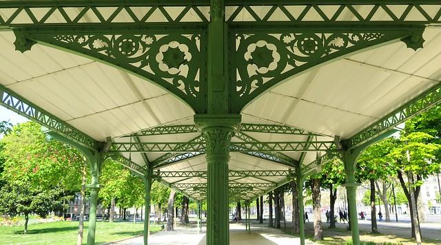 Pergola Belle Epoque dans les jardins des Champs-Elysées, Paris 8ème  Explore 26/04/2021]