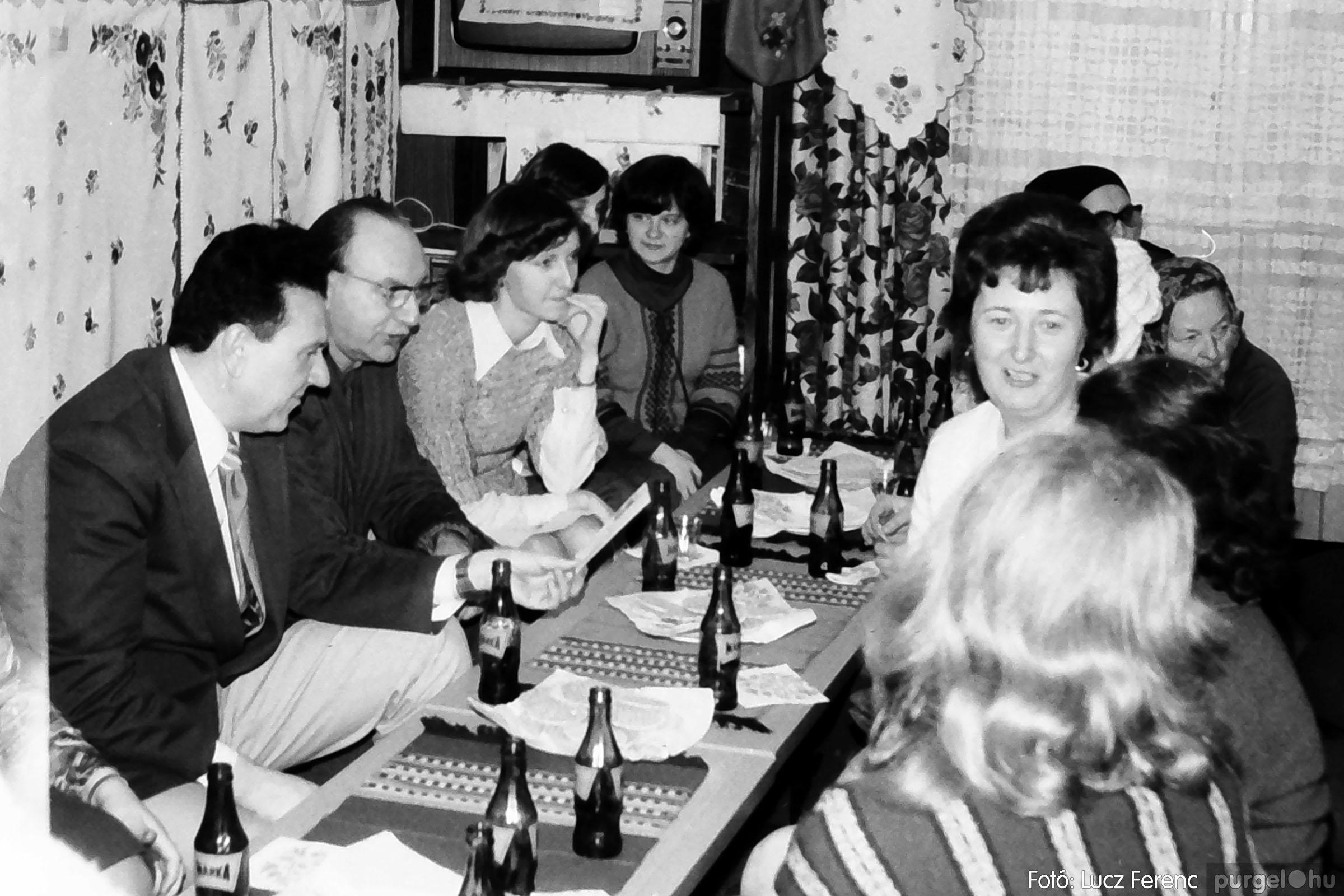 101. 1978. A Díszítőművész Szakkör vendégeskedése Tápén 008. - Fotó: Lucz Ferenc.jpg