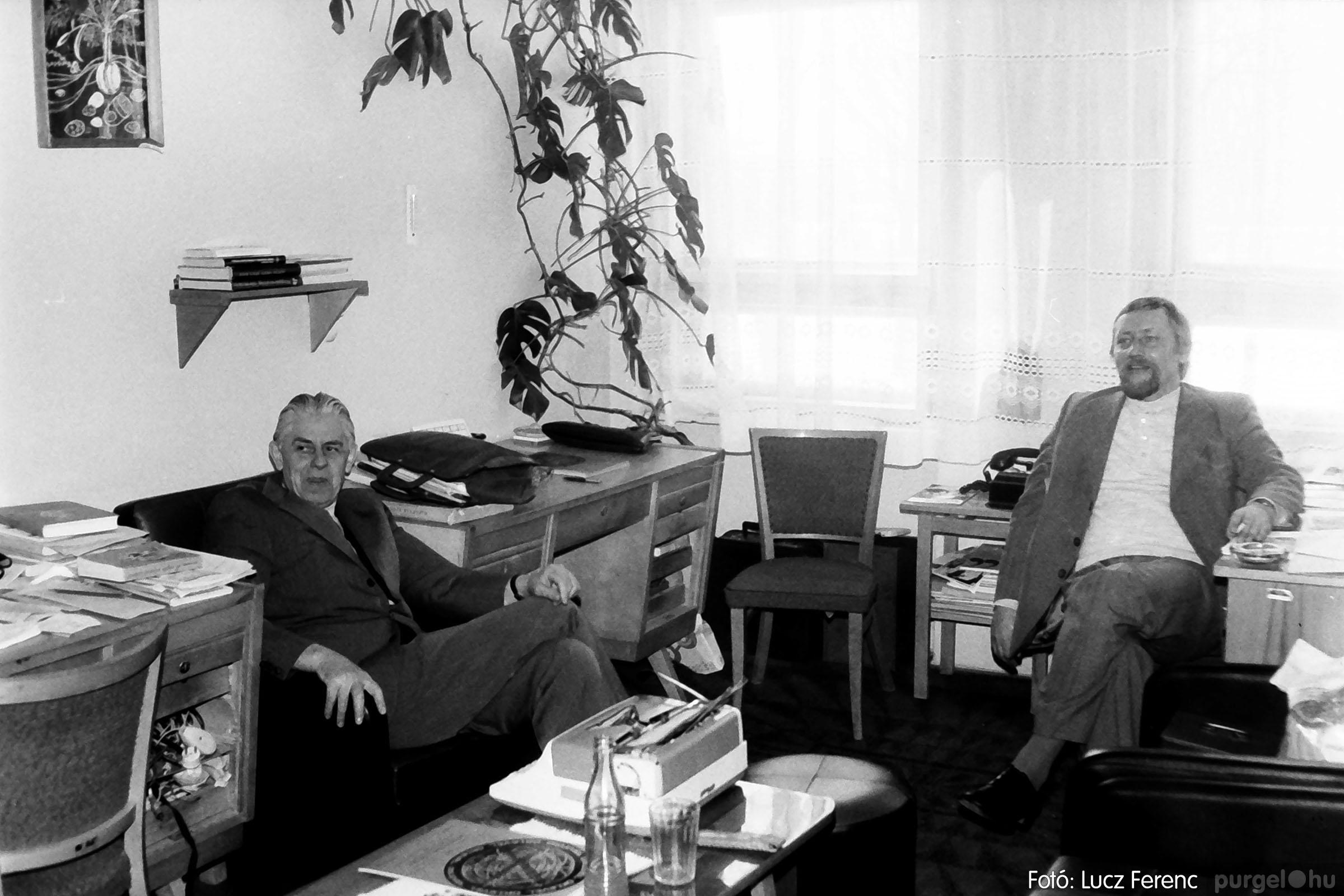 102. 1978. Szaktárgyi verseny a központi iskolában 014. - Fotó: Lucz Ferenc.jpg