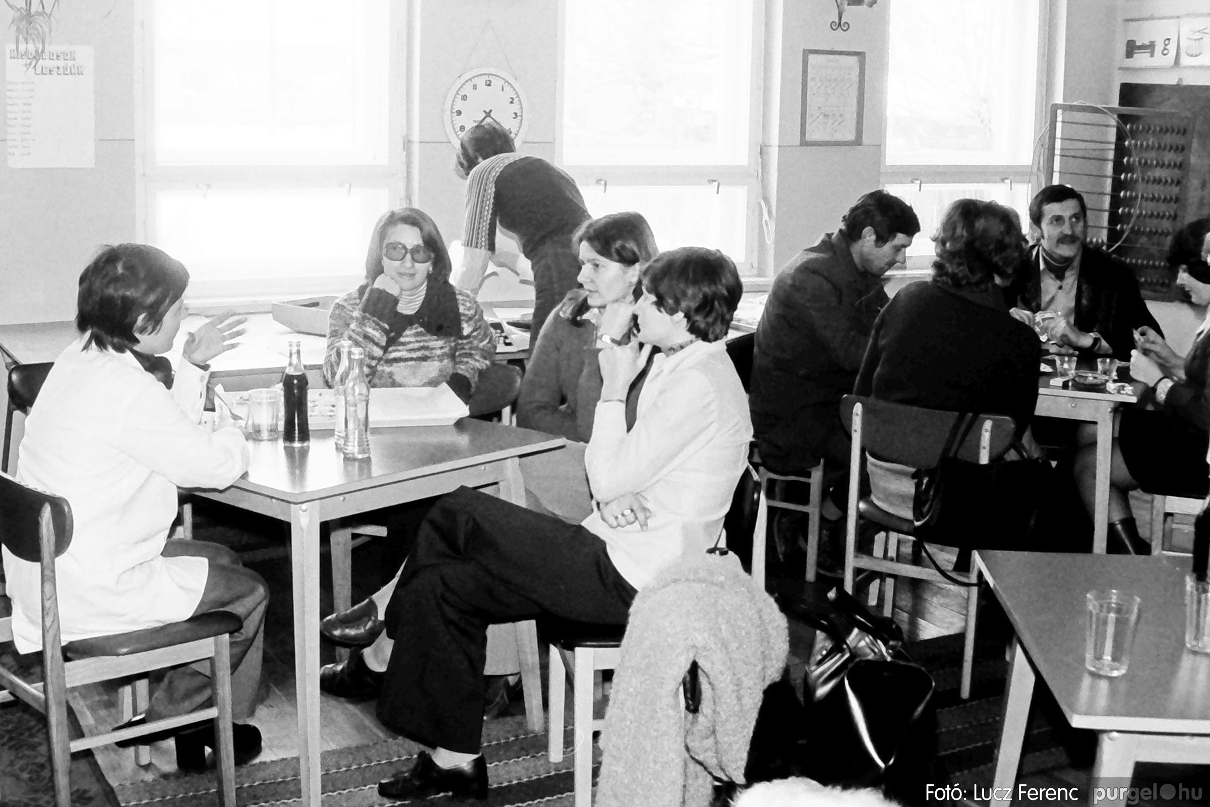 102. 1978. Szaktárgyi verseny a központi iskolában 012. - Fotó: Lucz Ferenc.jpg