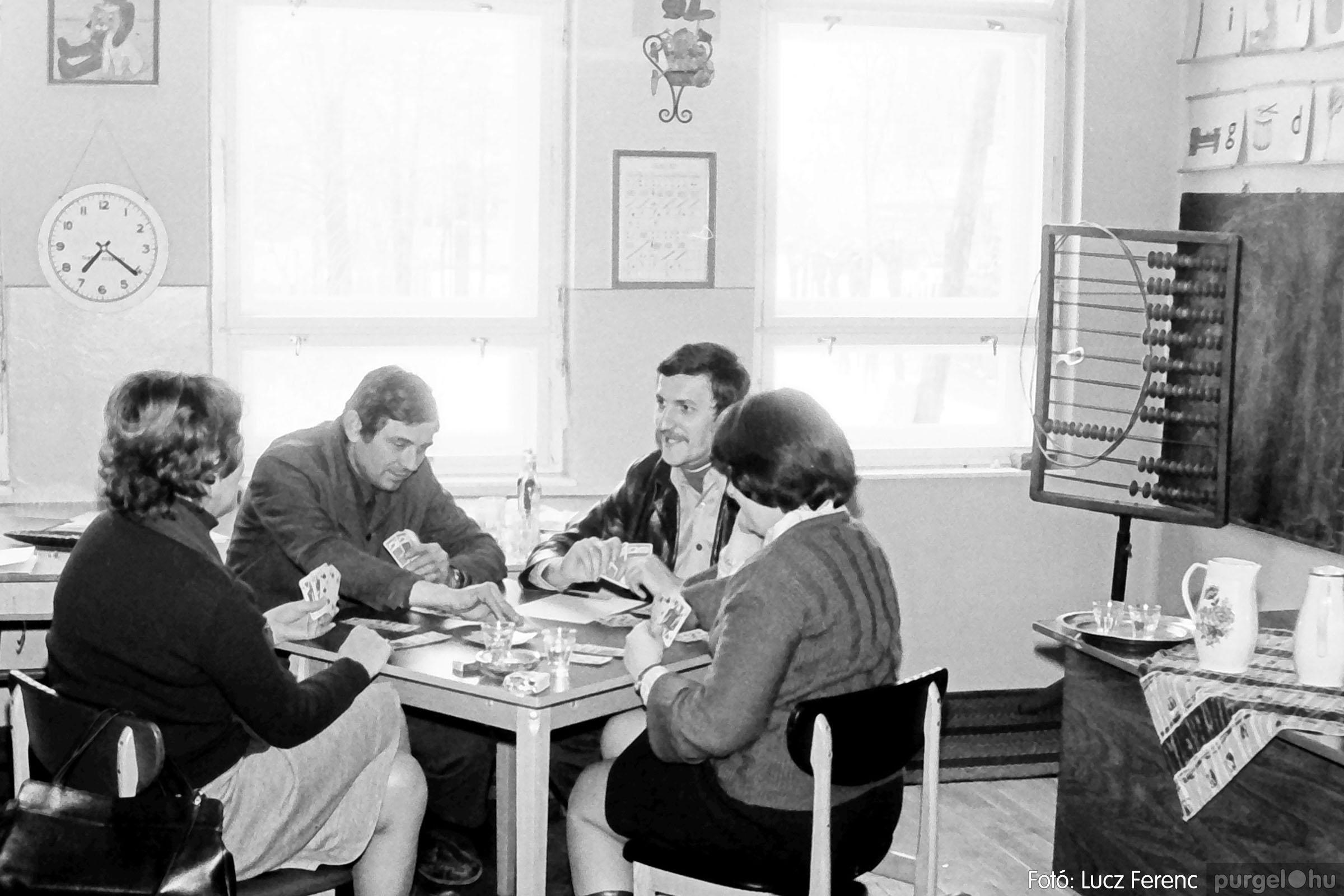 102. 1978. Szaktárgyi verseny a központi iskolában 011. - Fotó: Lucz Ferenc.jpg