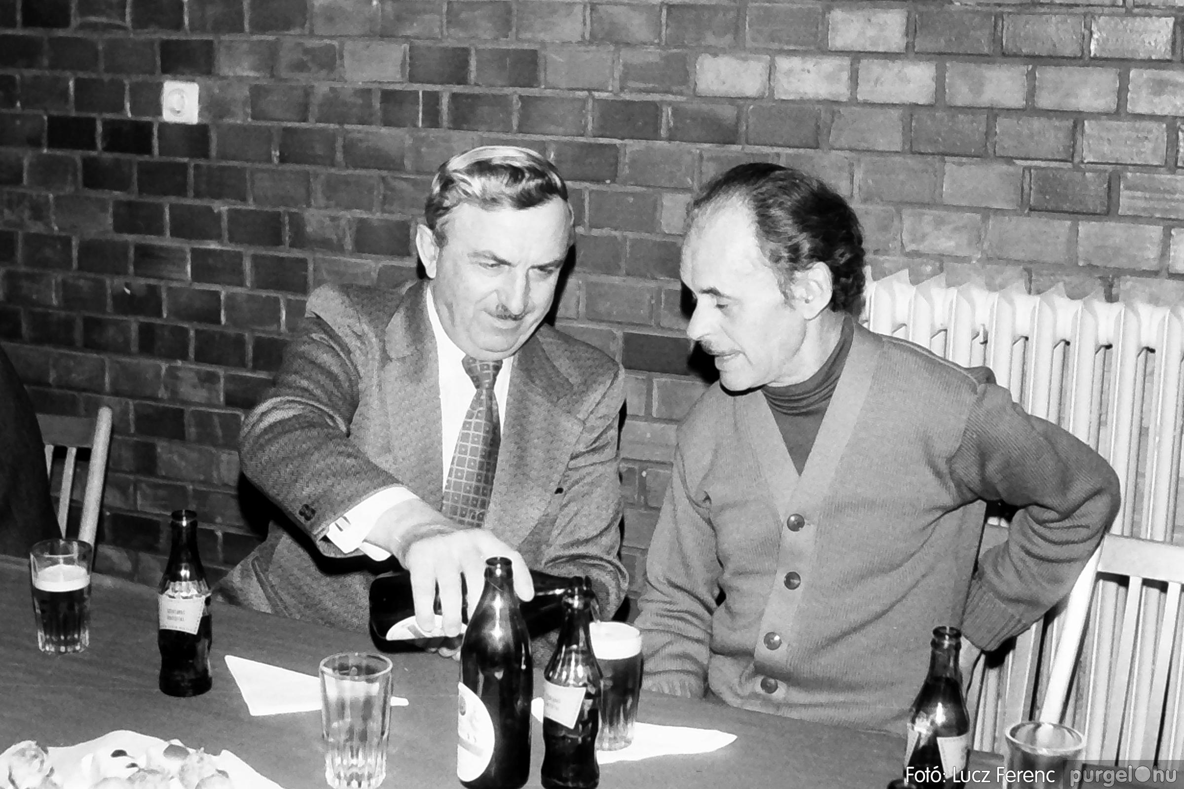 104. 1978. Nőnapi ünnepség a tanácsházban 014. - Fotó: Lucz Ferenc.jpg