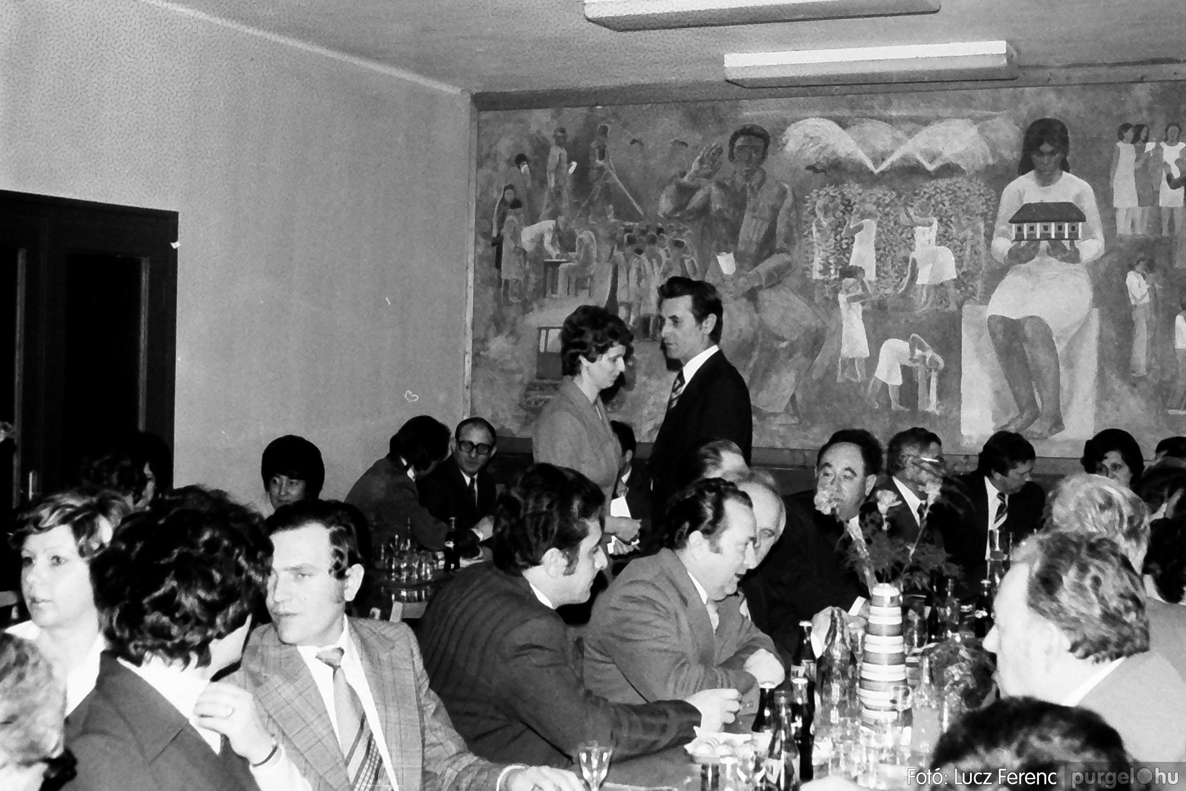 107. 1978. A KTSZ mérlegzáró közgyűlése 007. - Fotó: Lucz Ferenc.jpg