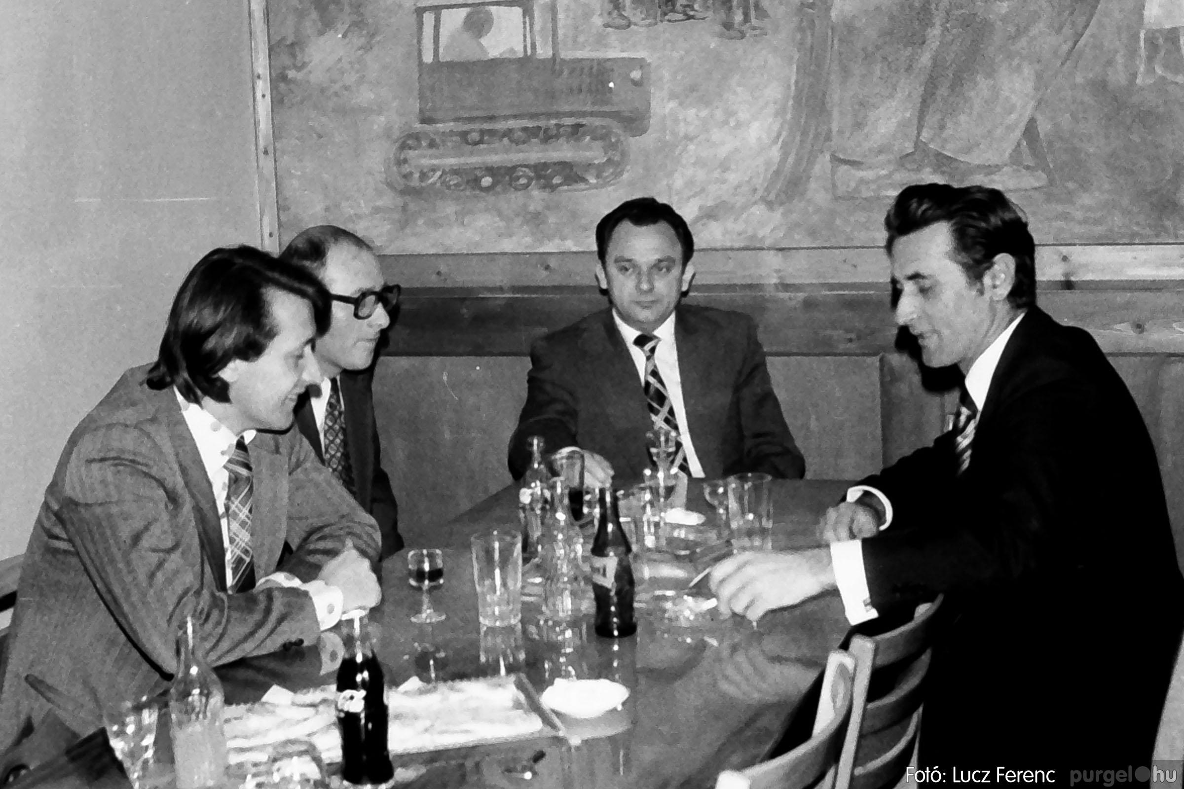 107. 1978. A KTSZ mérlegzáró közgyűlése 003. - Fotó: Lucz Ferenc.jpg