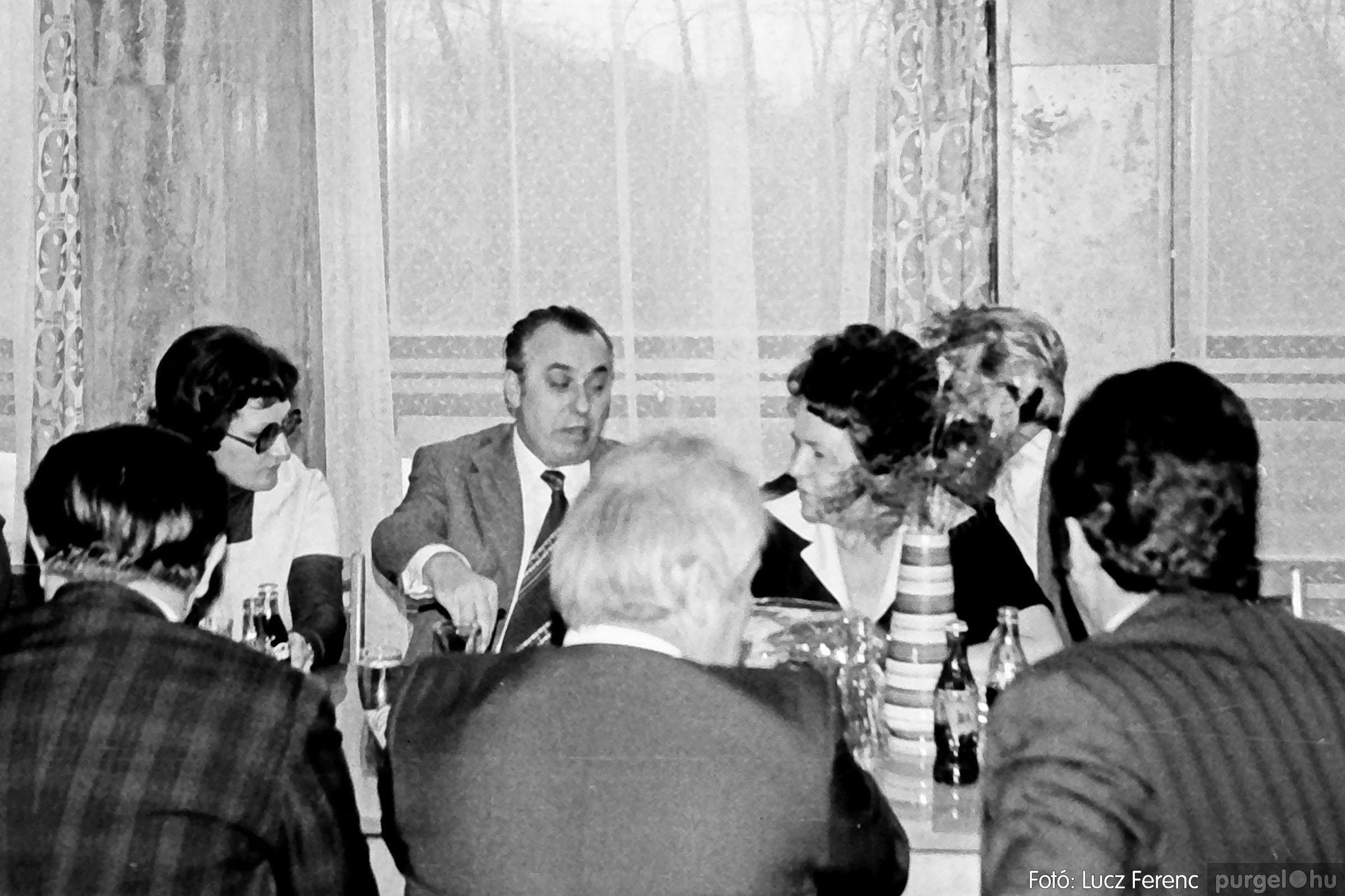 107. 1978. A KTSZ mérlegzáró közgyűlése 002. - Fotó: Lucz Ferenc.jpg